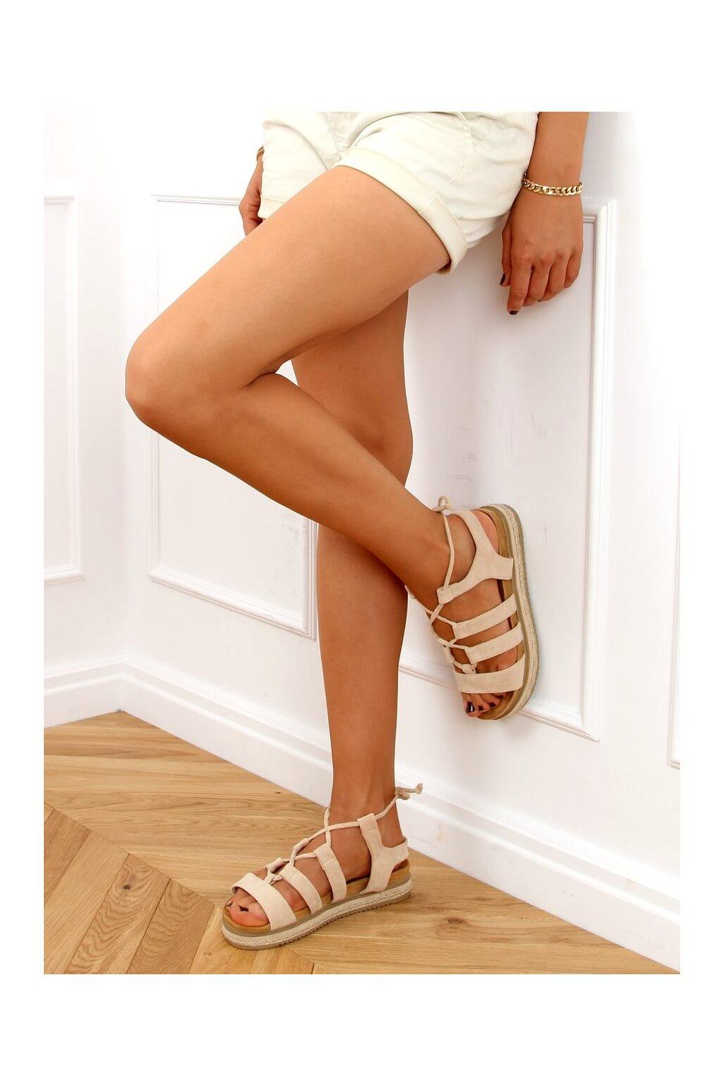 Dámske sandále s plochou podrážkou hnedé na plochom podpätku W86