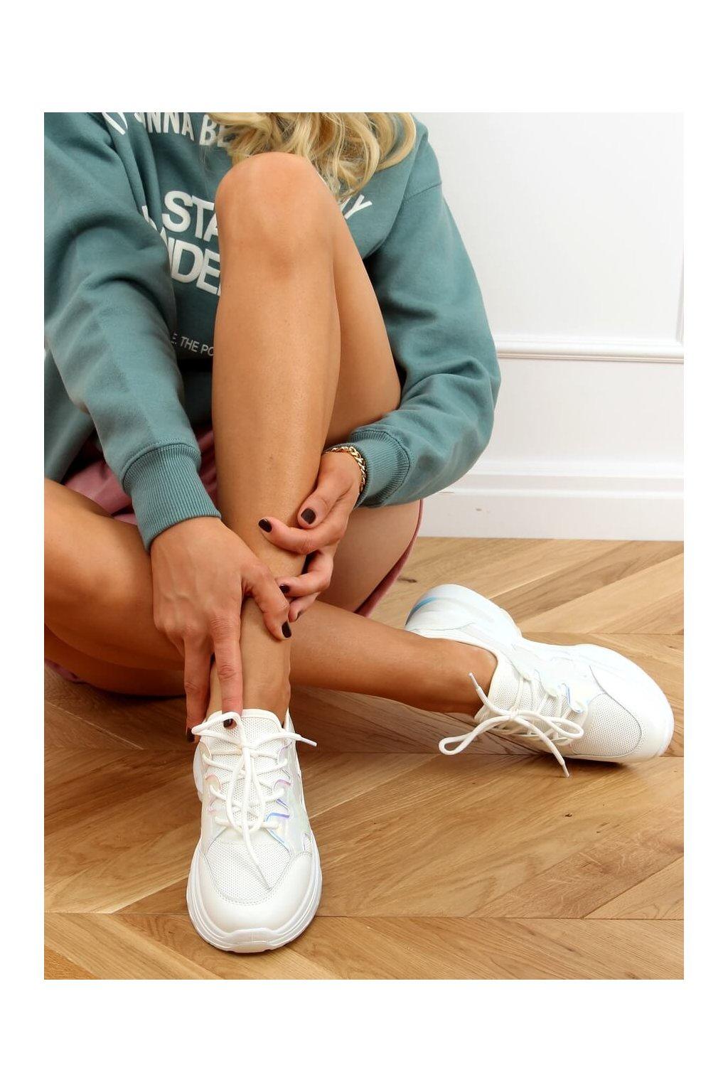 Dámske tenisky biele B0-507