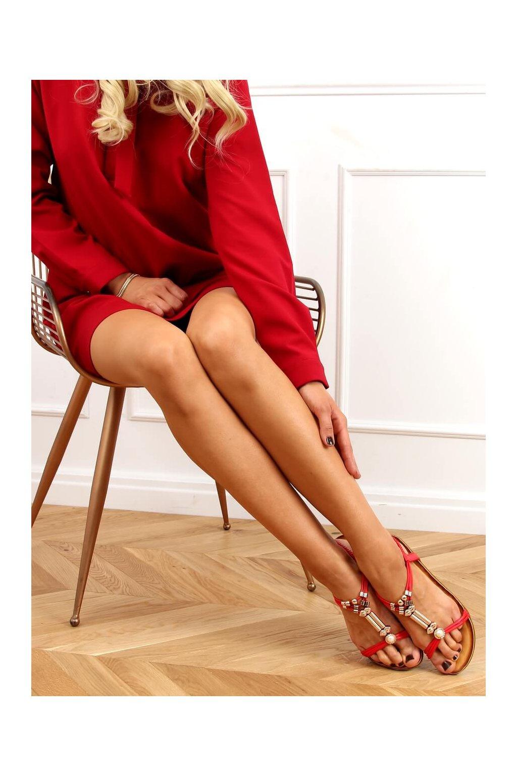 Dámske sandále s plochou podrážkou červené na plochom podpätku H075