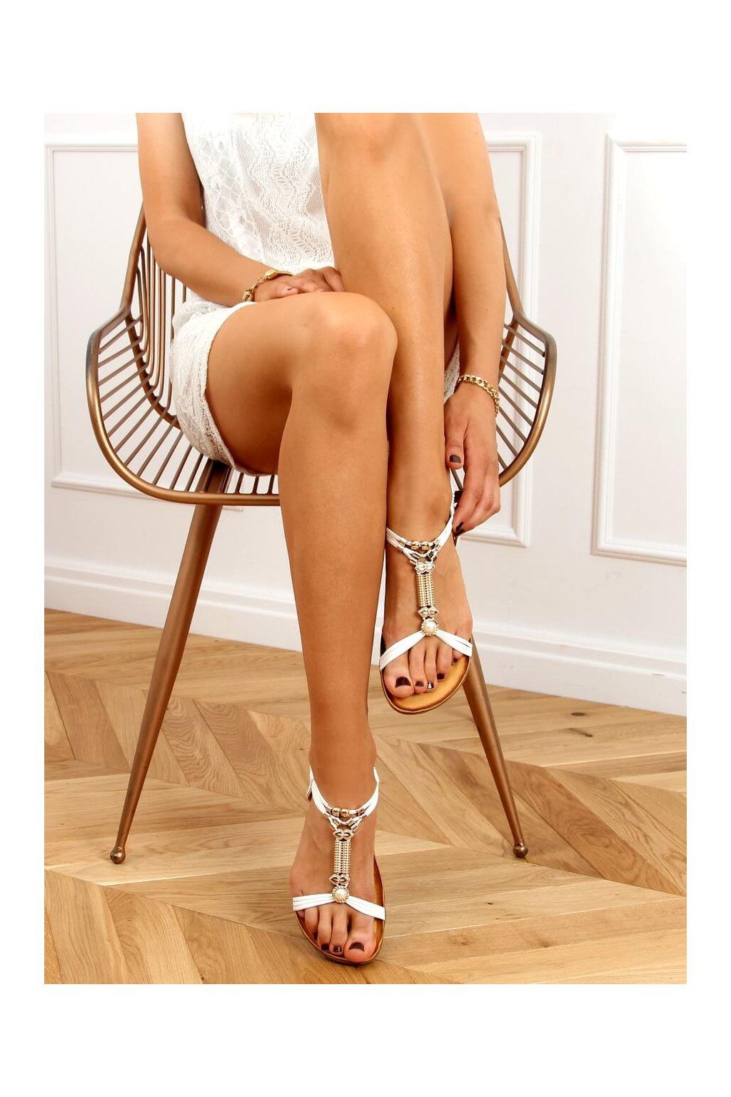 Dámske sandále s plochou podrážkou biele na plochom podpätku H075