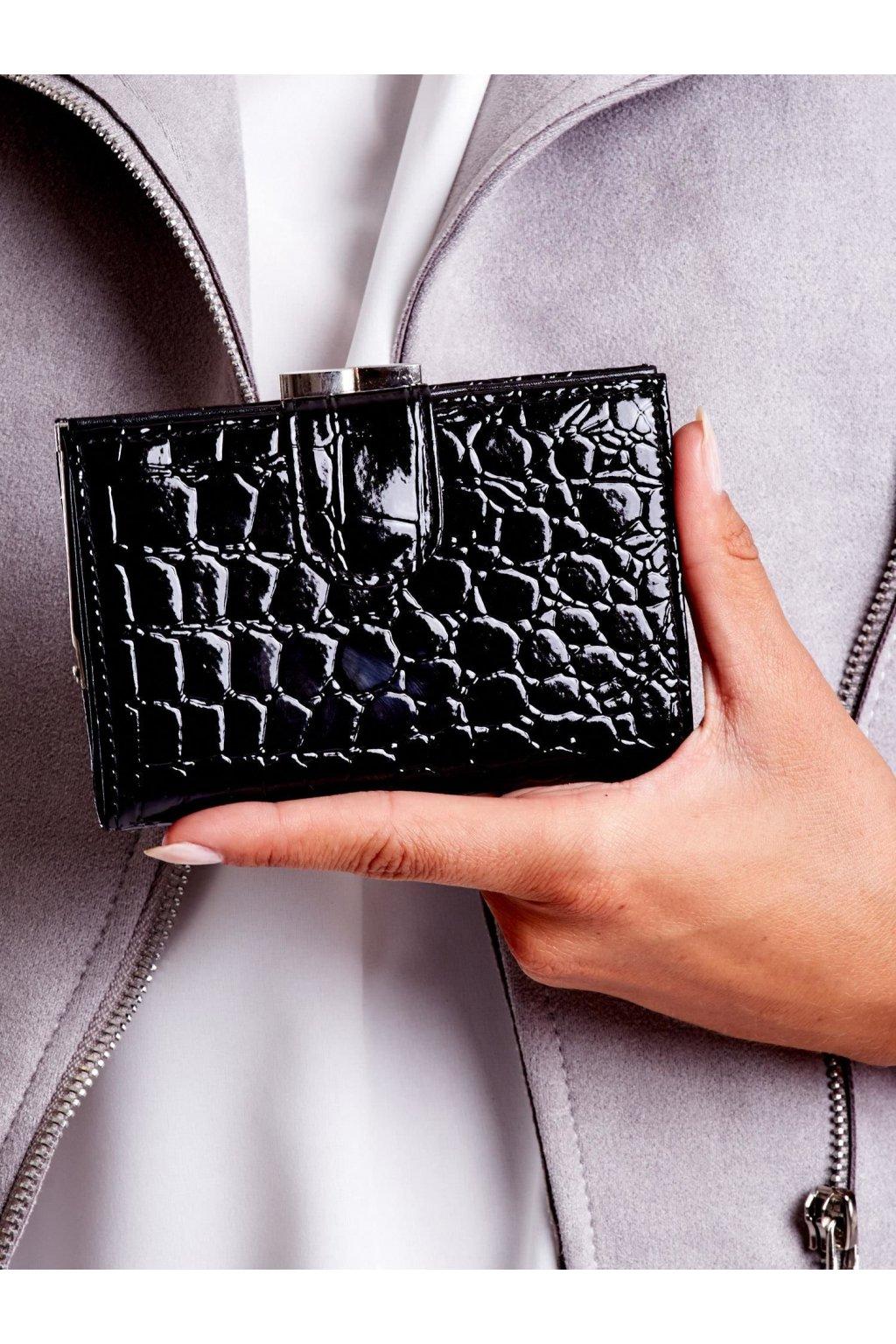 Peňaženka kód G95-18