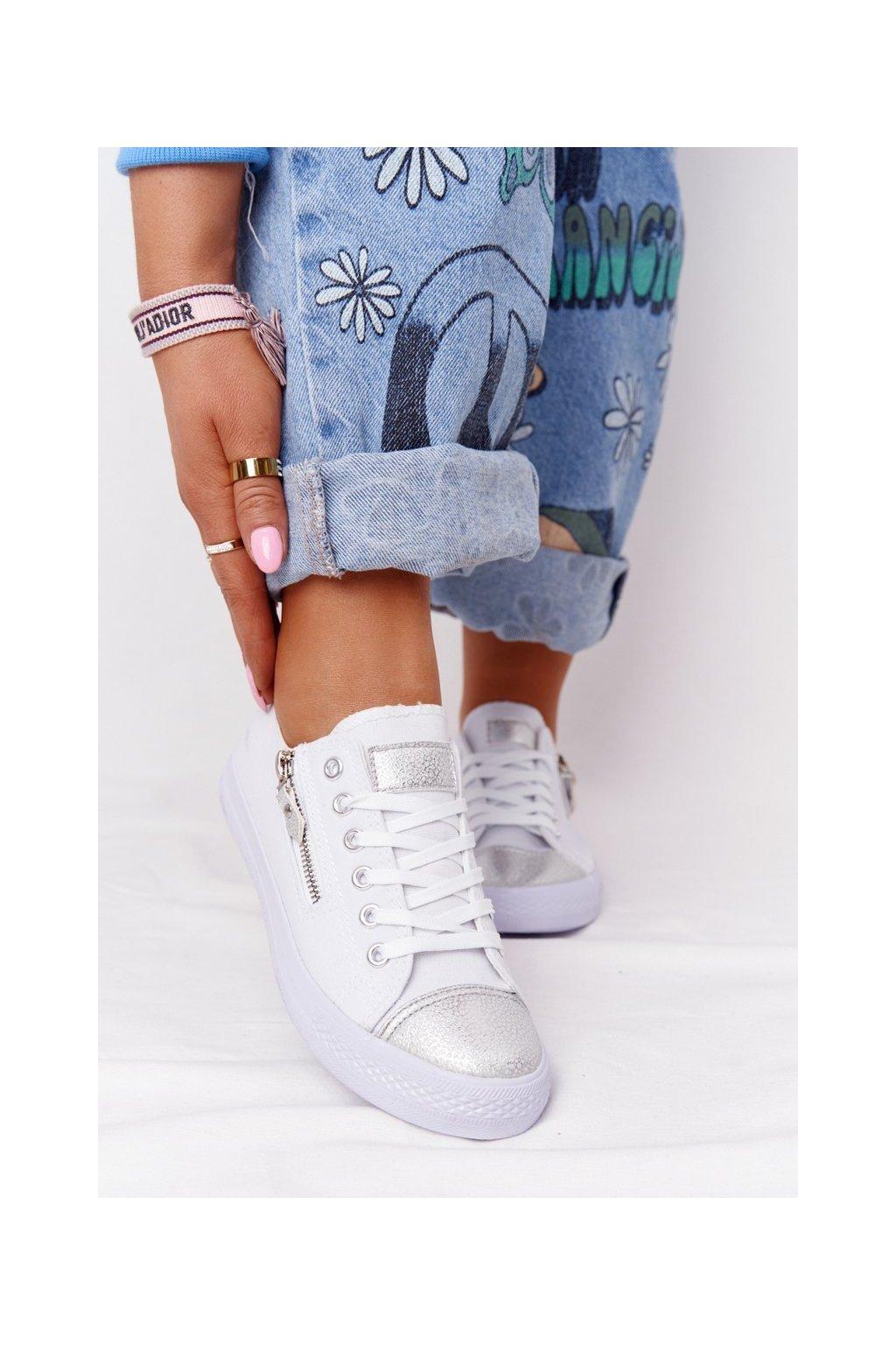 Dámske tenisky farba biela kód obuvi DD8227-2 WHITE/SILVER