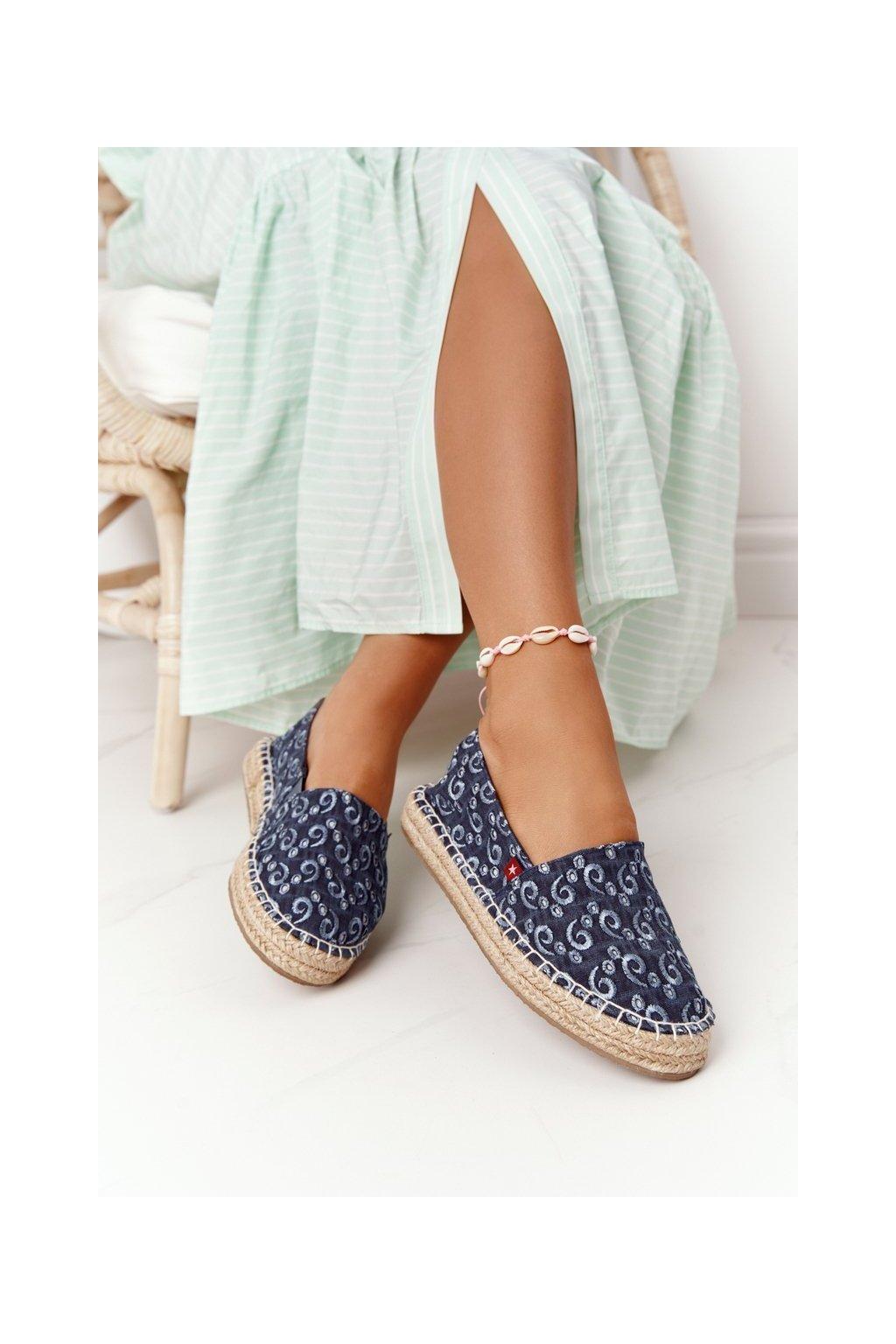 Dámske tenisky farba hnedá kód obuvi AA274628 NAVY