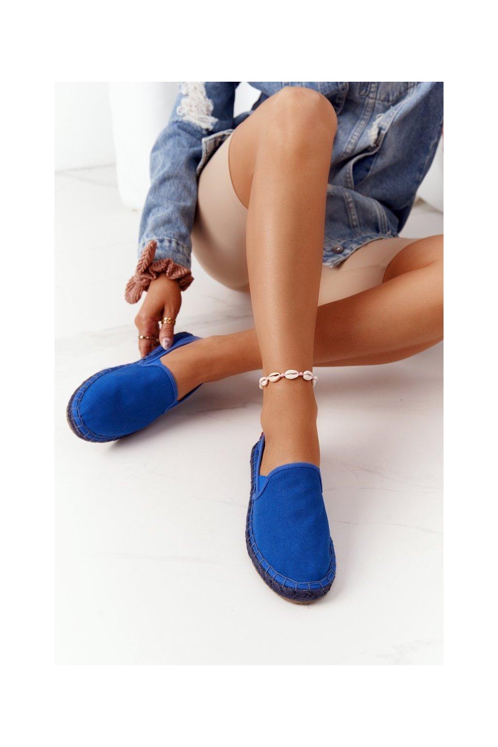 Dámske tenisky farba modrá kód obuvi DD274A136 NAVY
