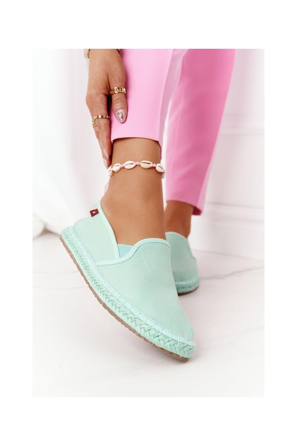 Dámske tenisky farba zelená kód obuvi DD274A141 GREEN