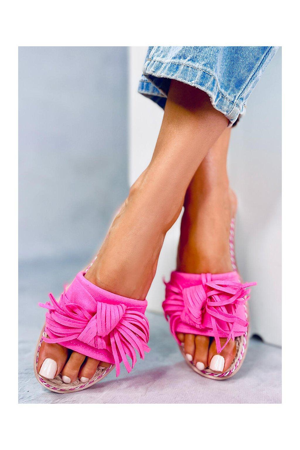 Damske šľapky ružové CK159