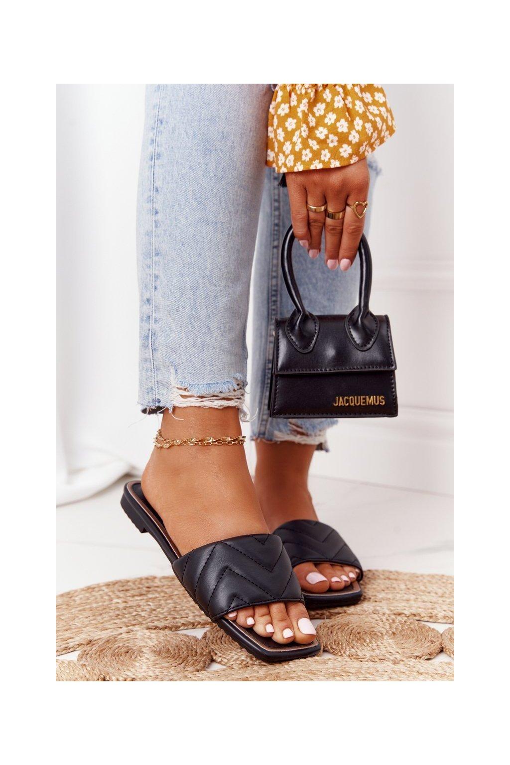 Dámske šľapky farba čierna kód obuvi 331-42 BLACK