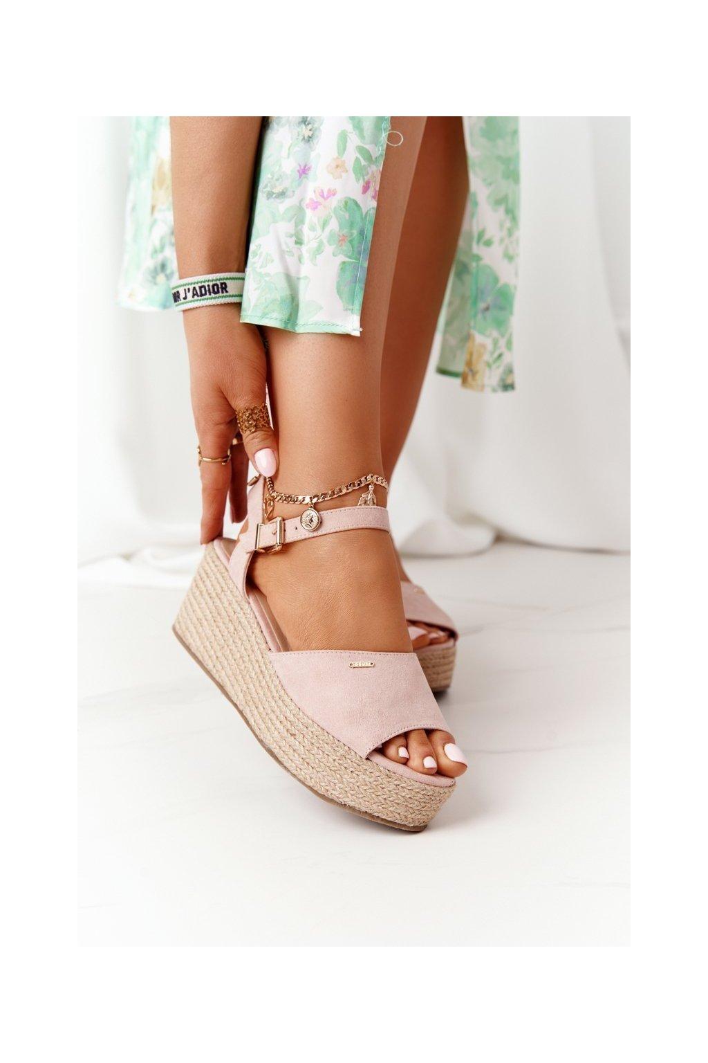 Dámske sandále s plochou podrážkou na platforme farba ružová kód obuvi FF274749 NUDE