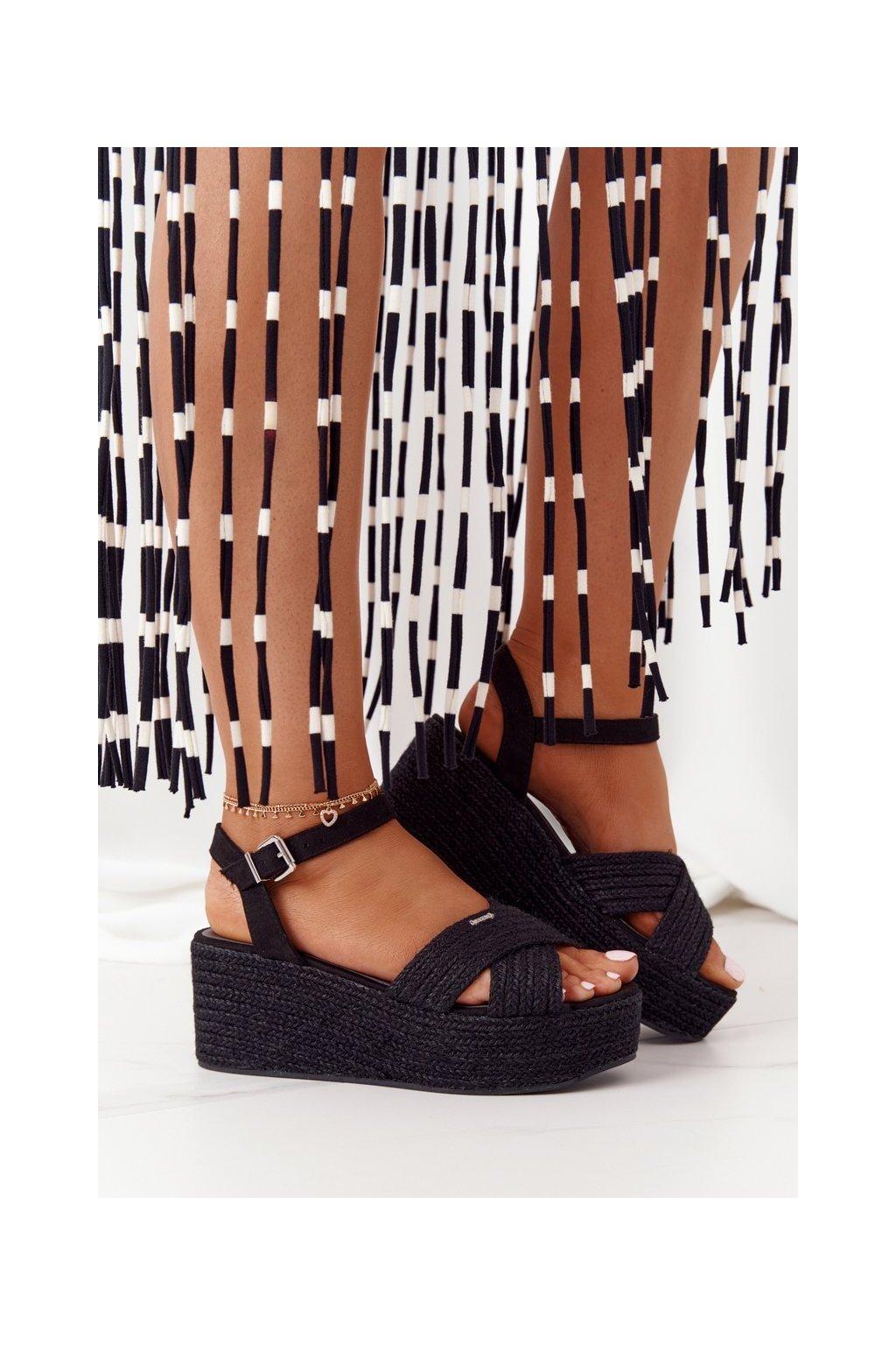 Dámske sandále na platforme farba čierna kód obuvi FF274762 BLACK