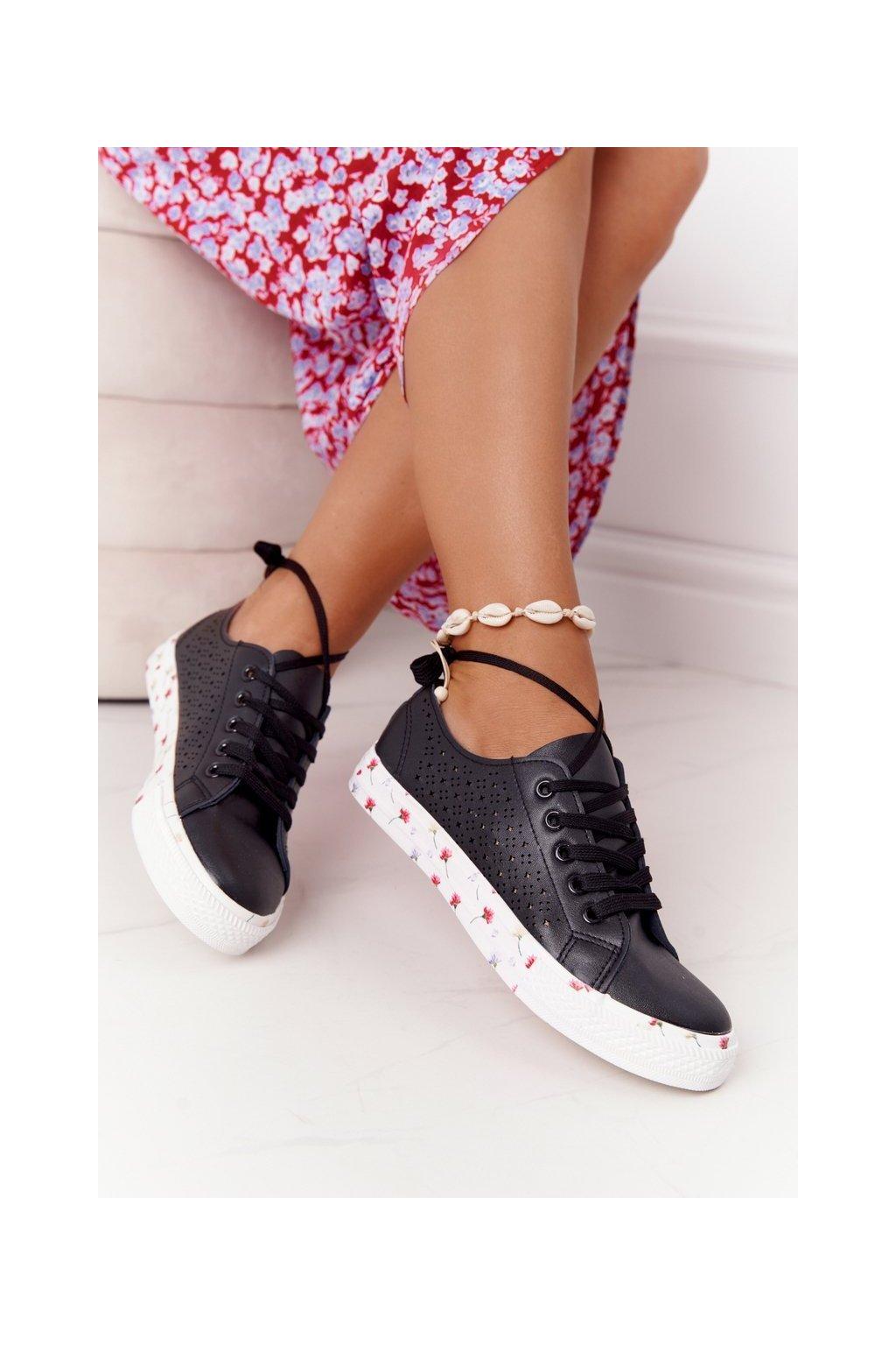 Dámske tenisky farba čierna kód obuvi 9SP35-1002 BLACK