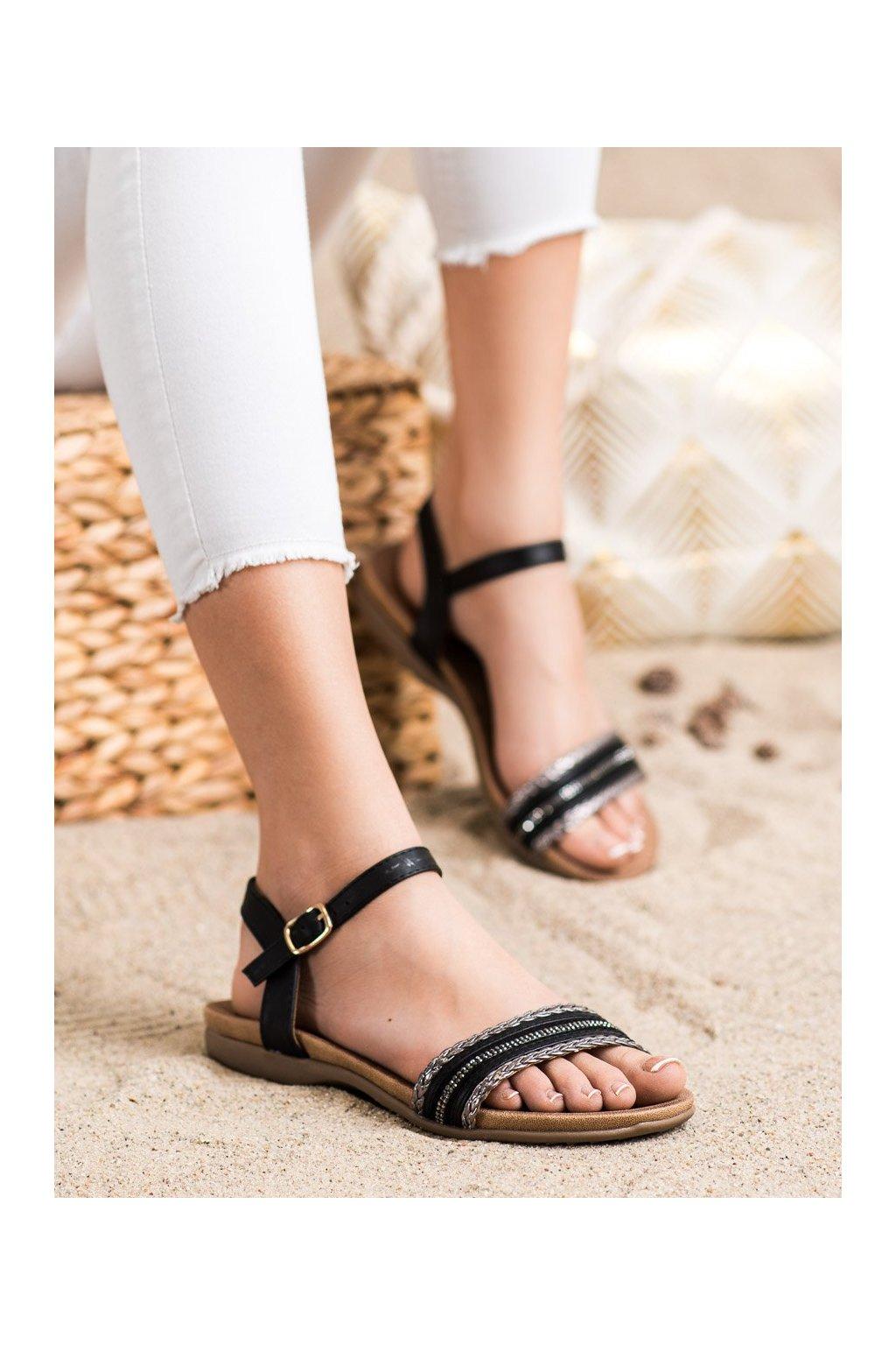 Čierne sandále s plochou podrážkou S. barski kod 6708B