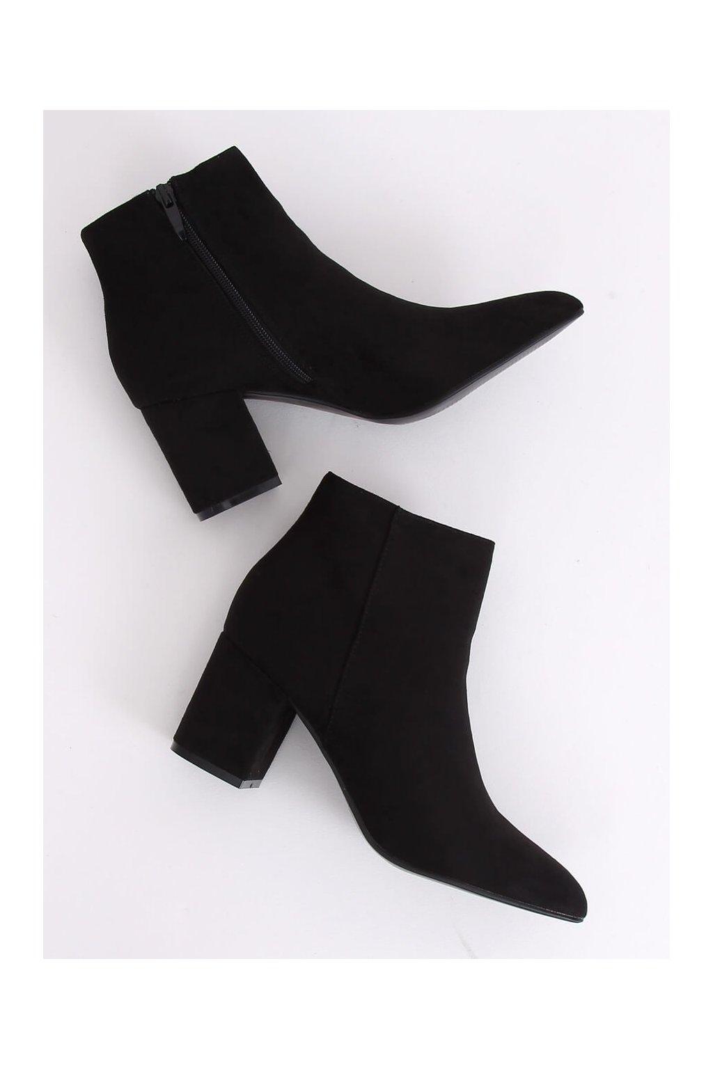 Dámske členkové topánky čierne na širokom podpätku Q1AX608-1