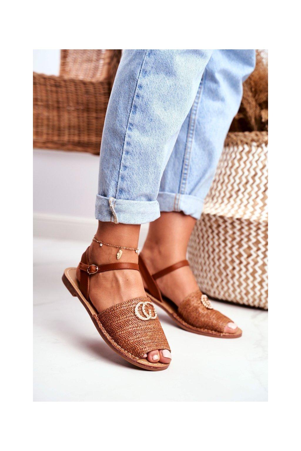 Dámske ploché sandále farba hnedá NJSK 108-B8 CAMEL