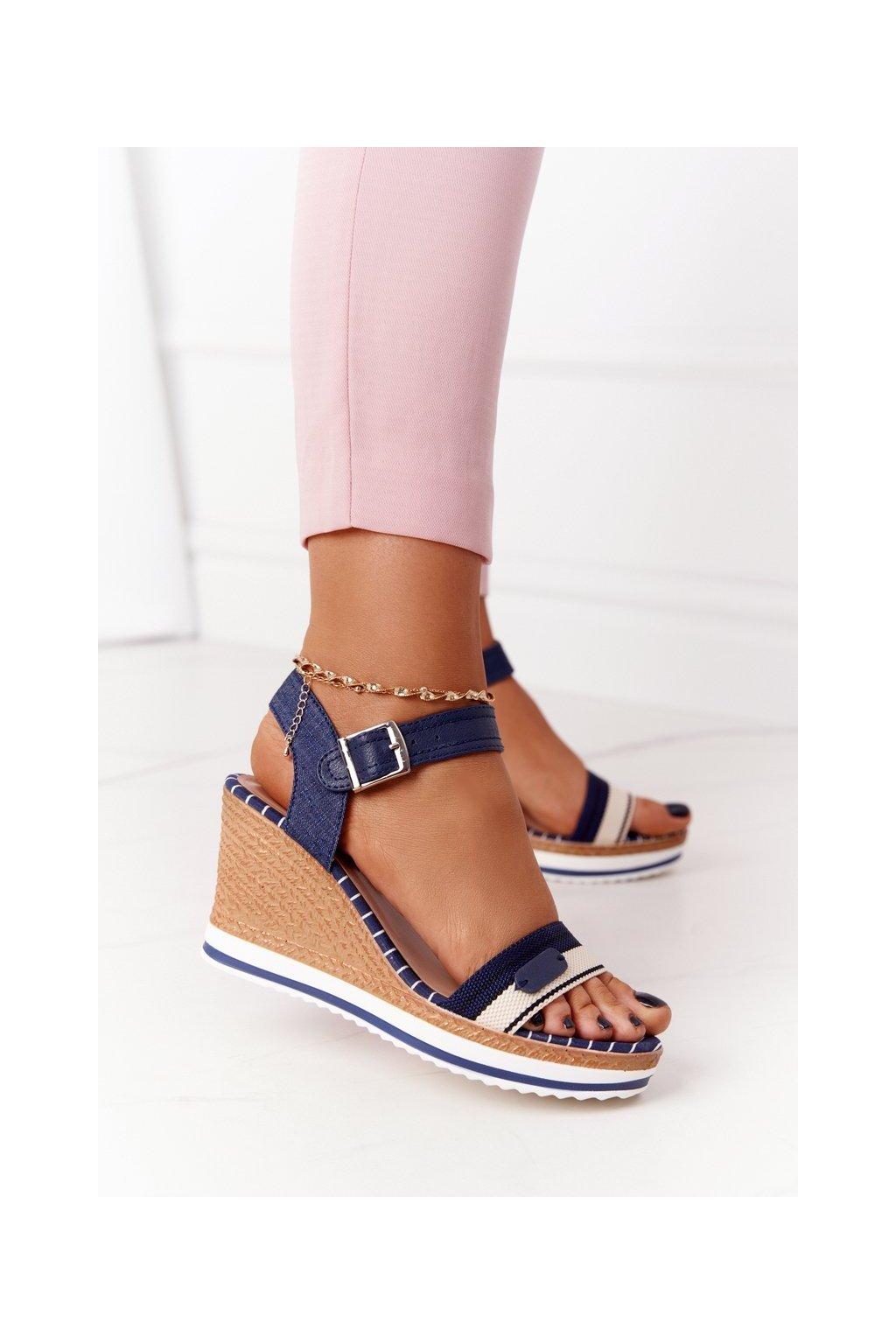 Dámske sandále farba hnedá kód obuvi A89832 BLUE