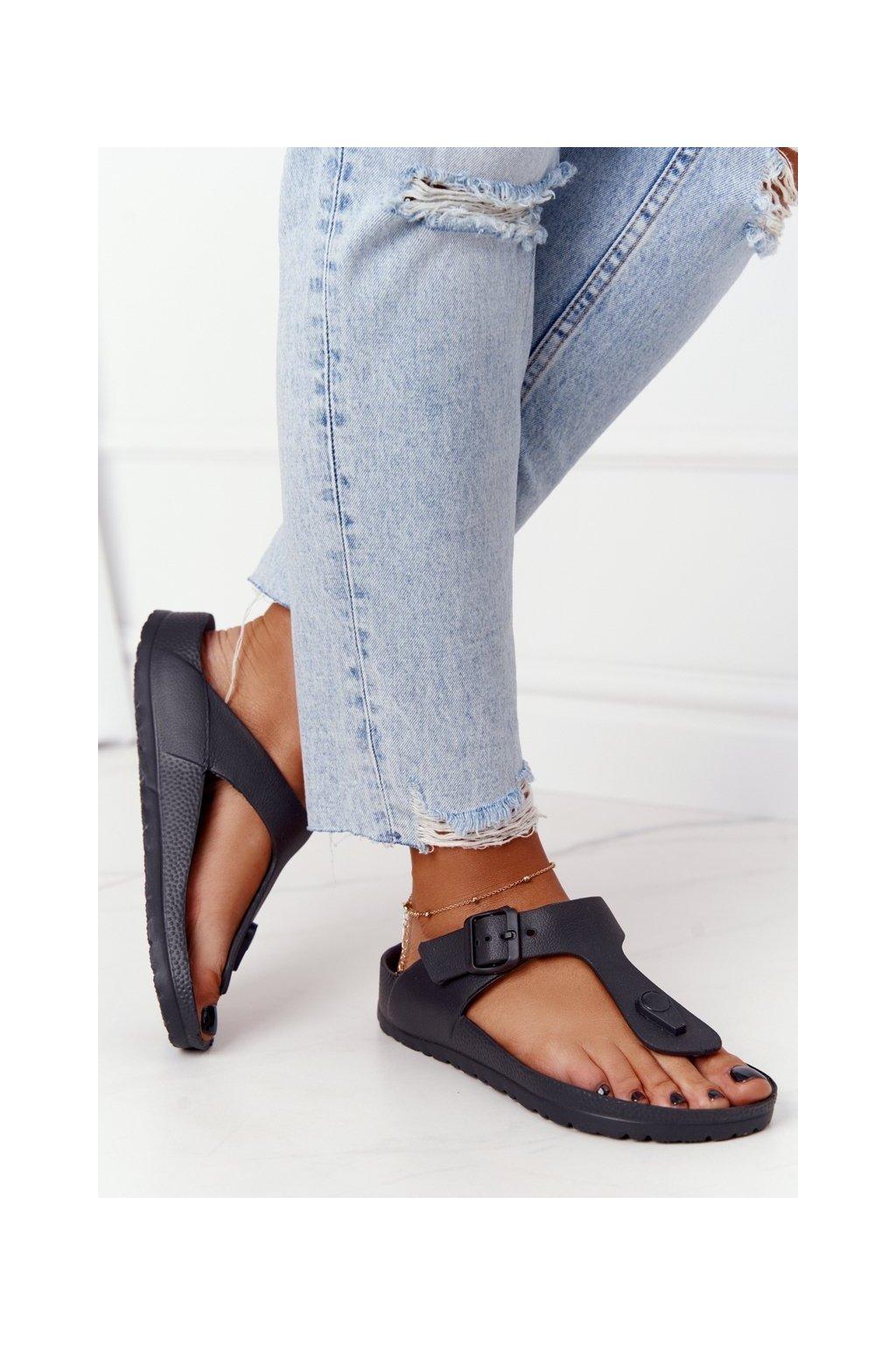 Dámske šľapky farba čierna kód obuvi 9SD47-1232 BLK