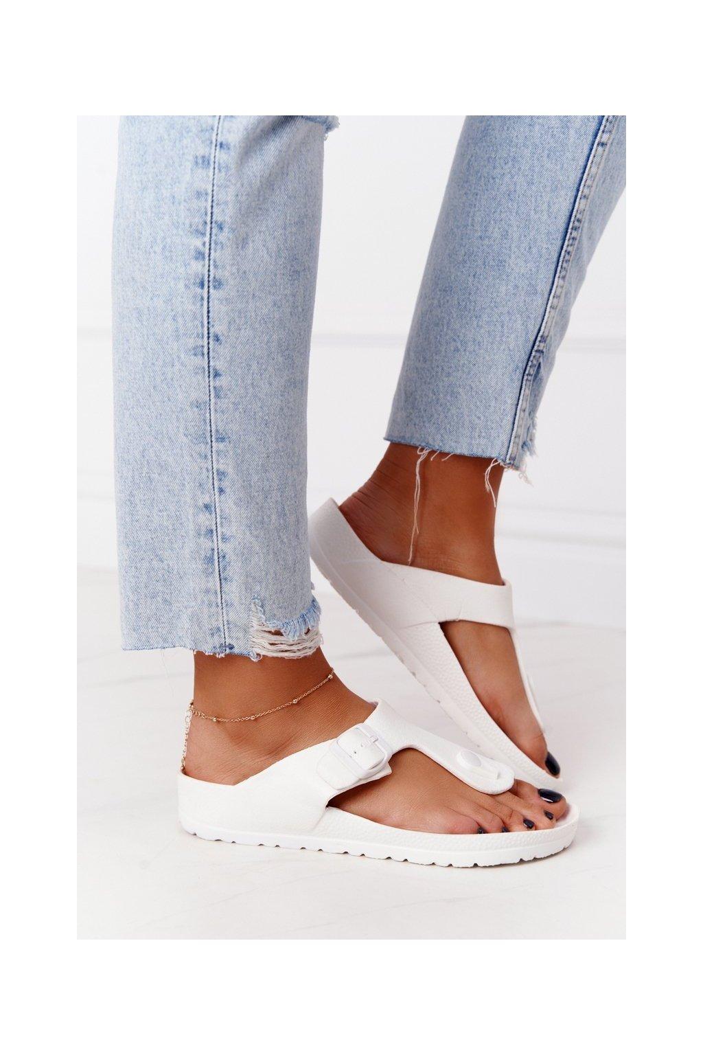 Dámske šľapky farba biela kód obuvi 9SD47-1232 WHITE