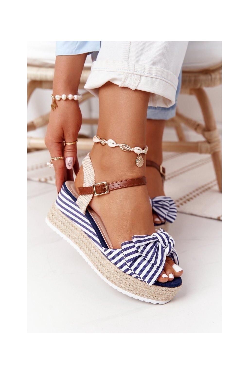 Dámske sandále farba biela kód obuvi DZ8009 BLUE