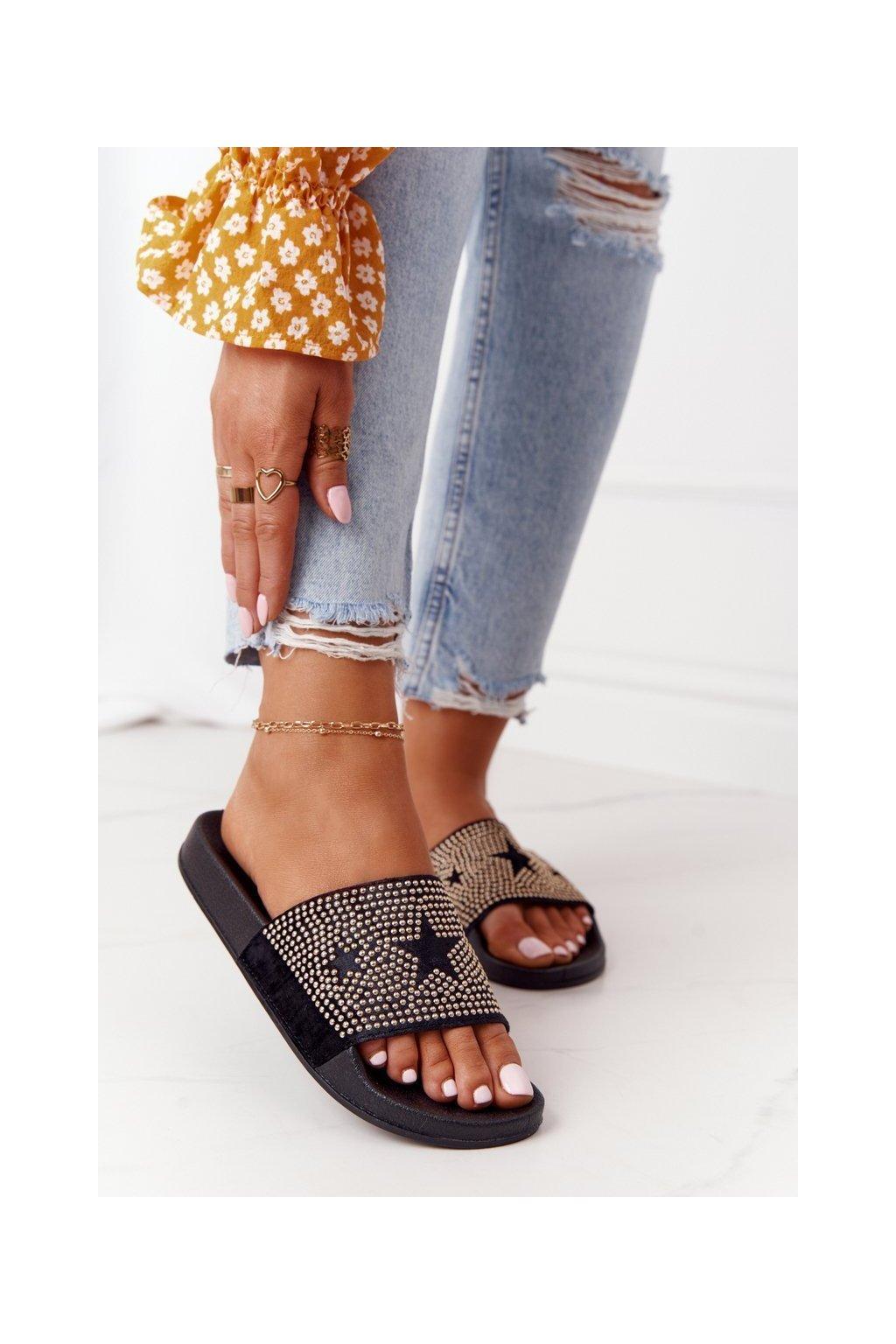 Dámske šľapky farba čierna kód obuvi 9SD10-1097 BLK
