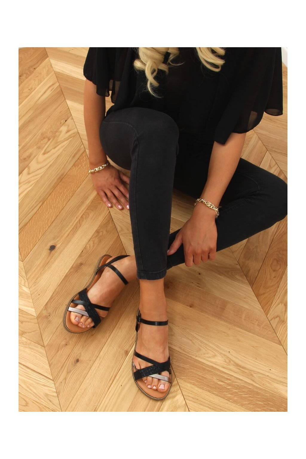 Dámske sandále čierne na plochom podpätku WL060