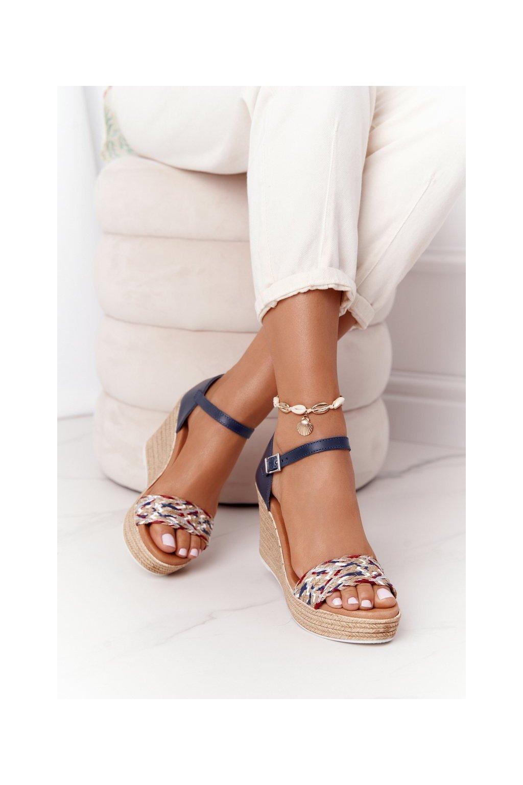 Dámske sandále farba hnedá kód obuvi L4869-17/00-0 GRANAT