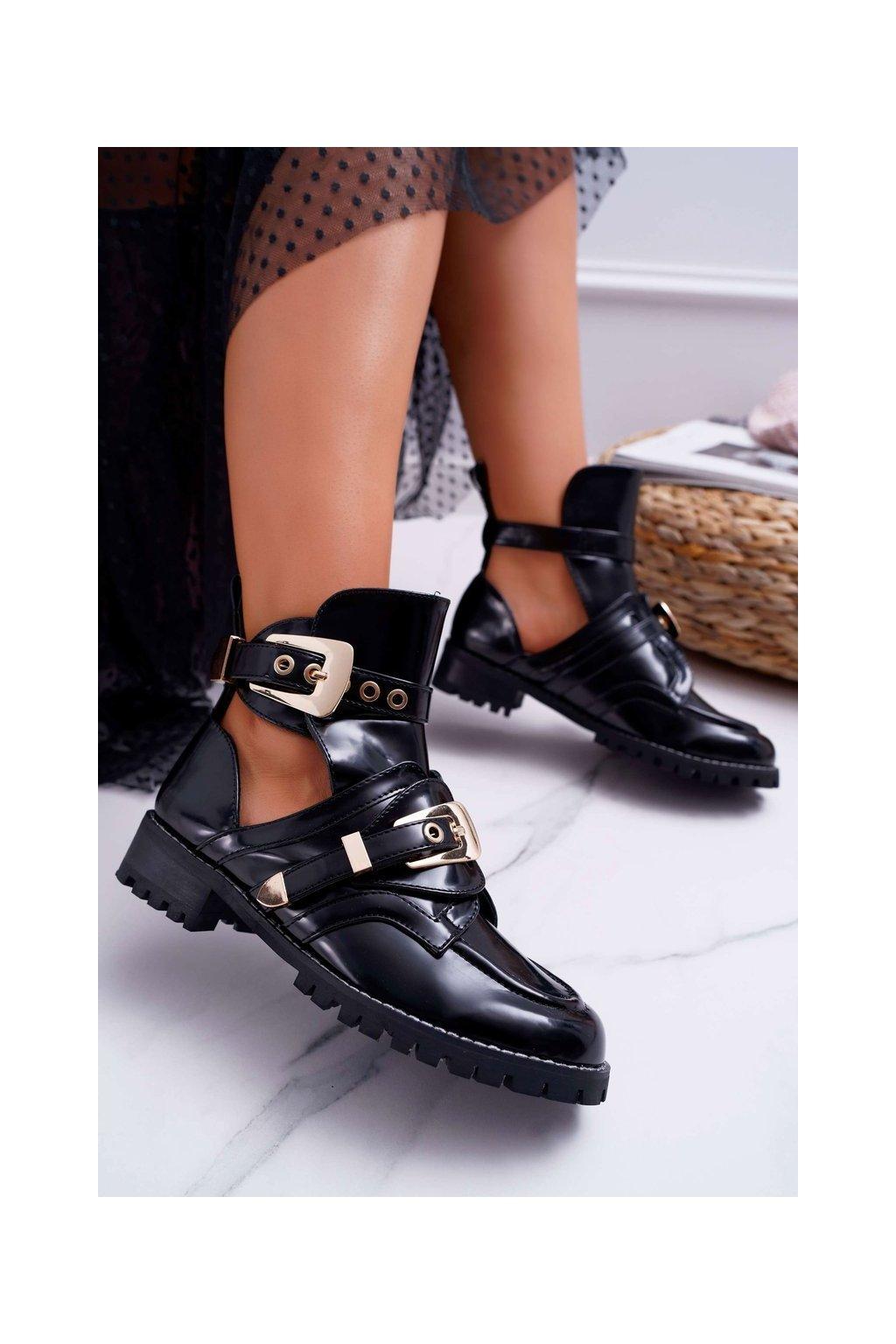 Členkové topánky na podpätku farba čierna NJSK XW37266 BLK PAT PU