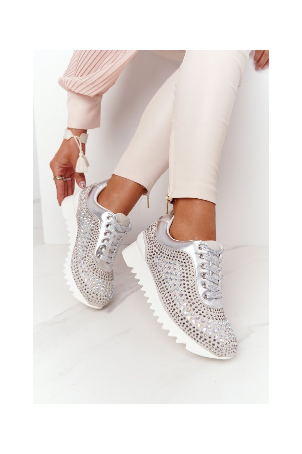 Dámske tenisky farba biela kód obuvi D7-80 SILVER