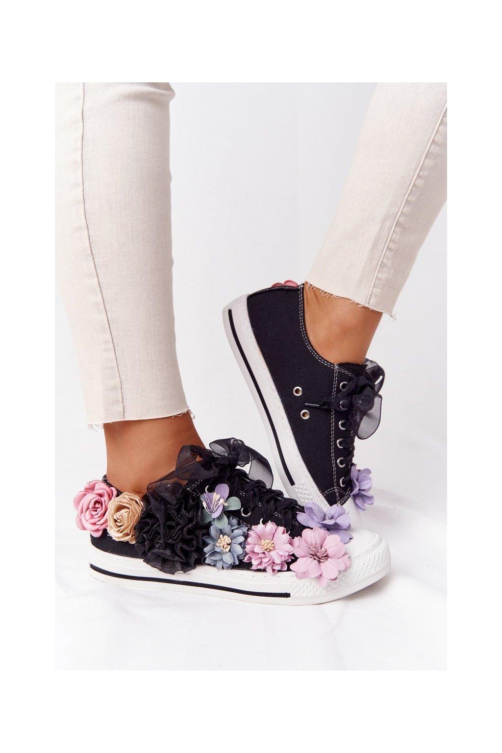 Dámske tenisky farba čierna kód obuvi XW37370 BLACK CANVAS