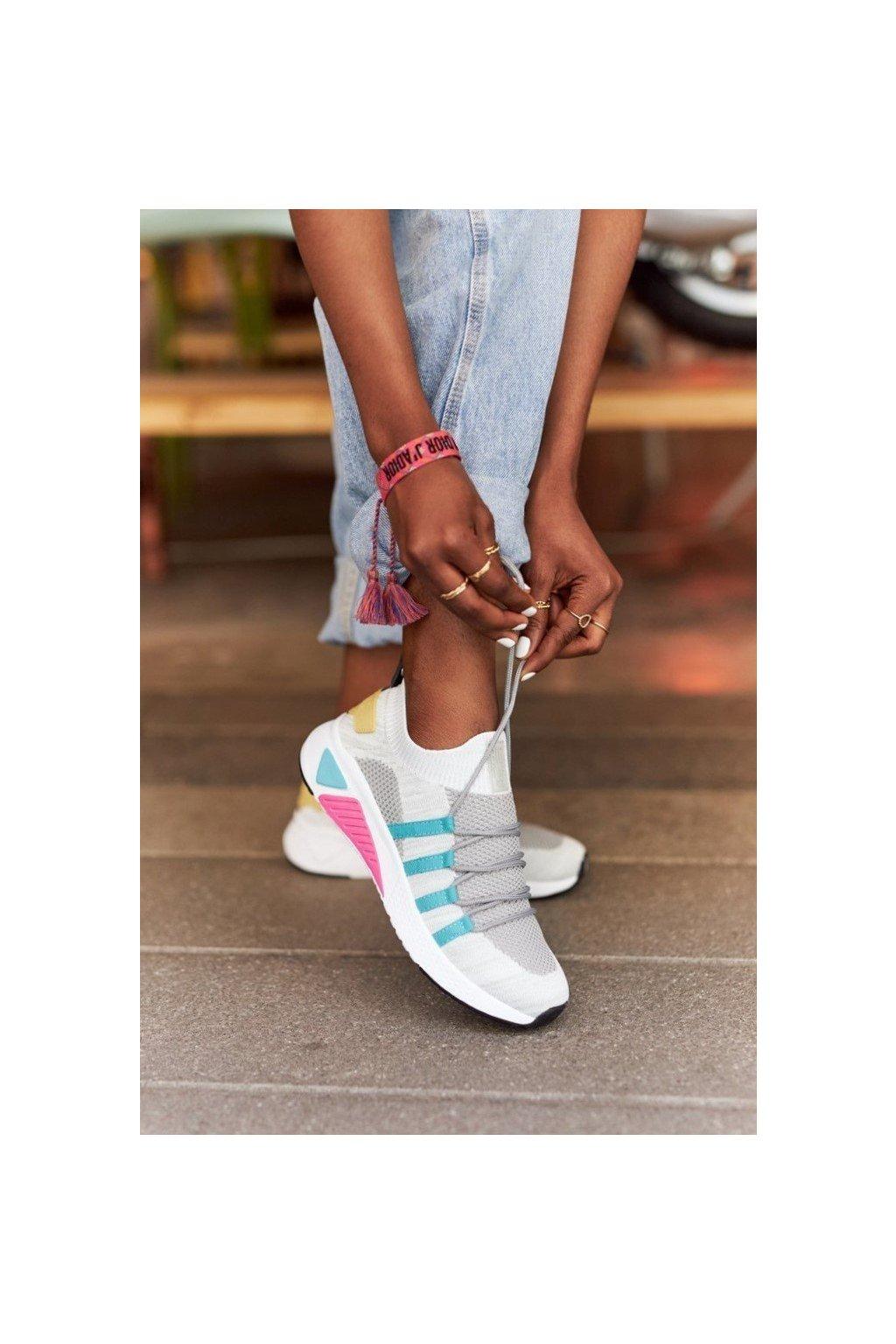 Dámske tenisky farba biela kód obuvi HH274531 WHITE/GREY