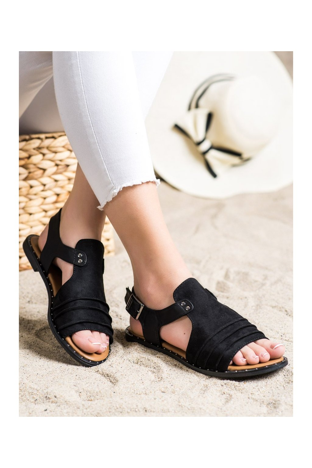 Čierne sandále Vinceza kod YQE21-17127B