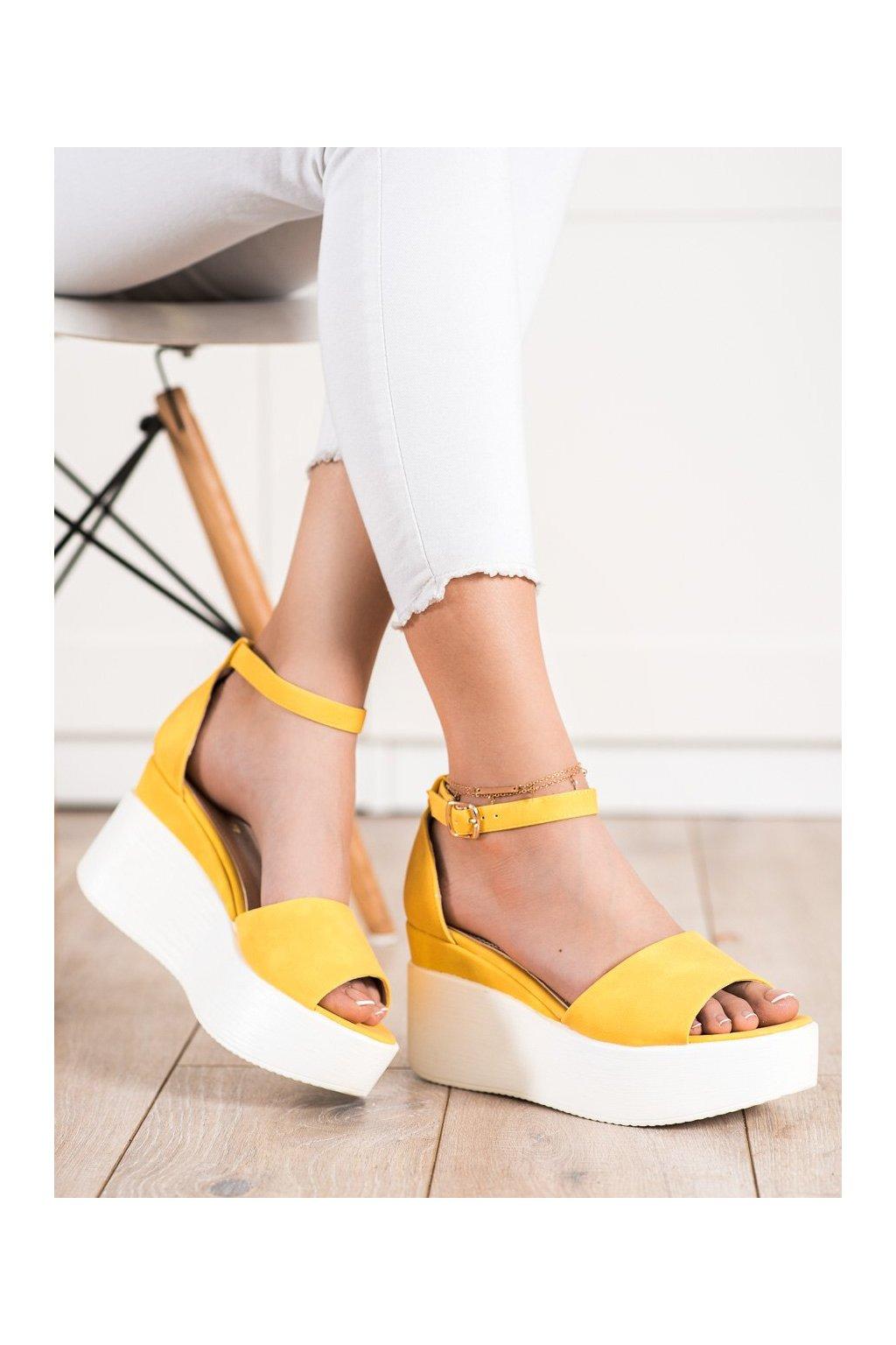 Žlté sandále Comer kod AX-77Y