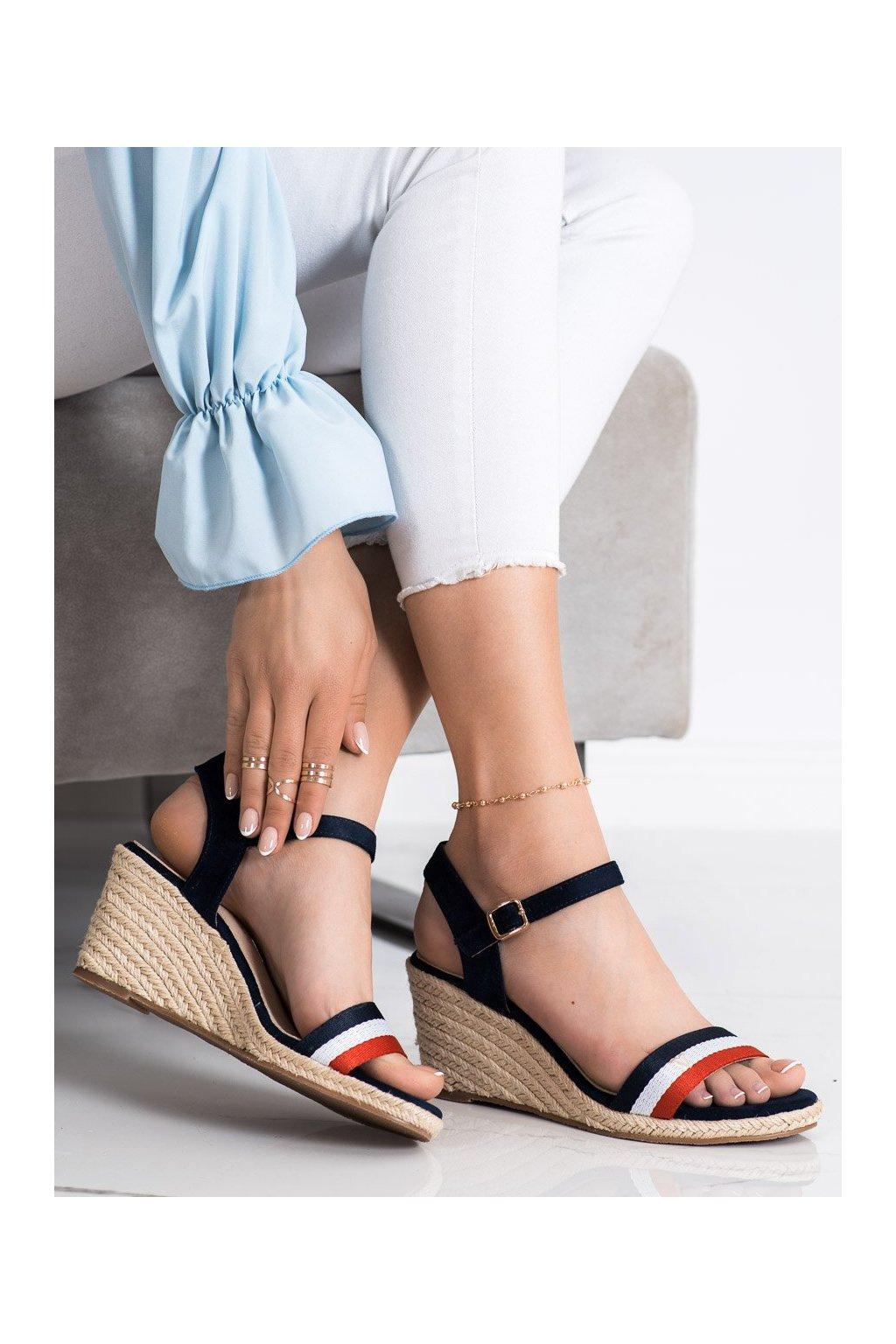 Viacfarebné sandále Vinceza kod YQE21-17104N