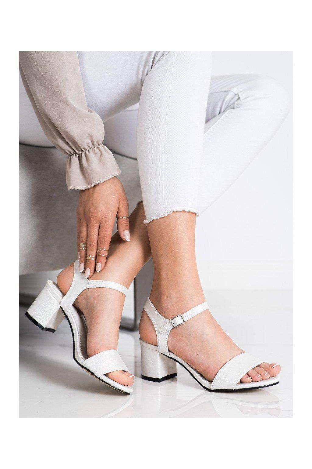 Biele sandále Goodin kod GD-FL1028W