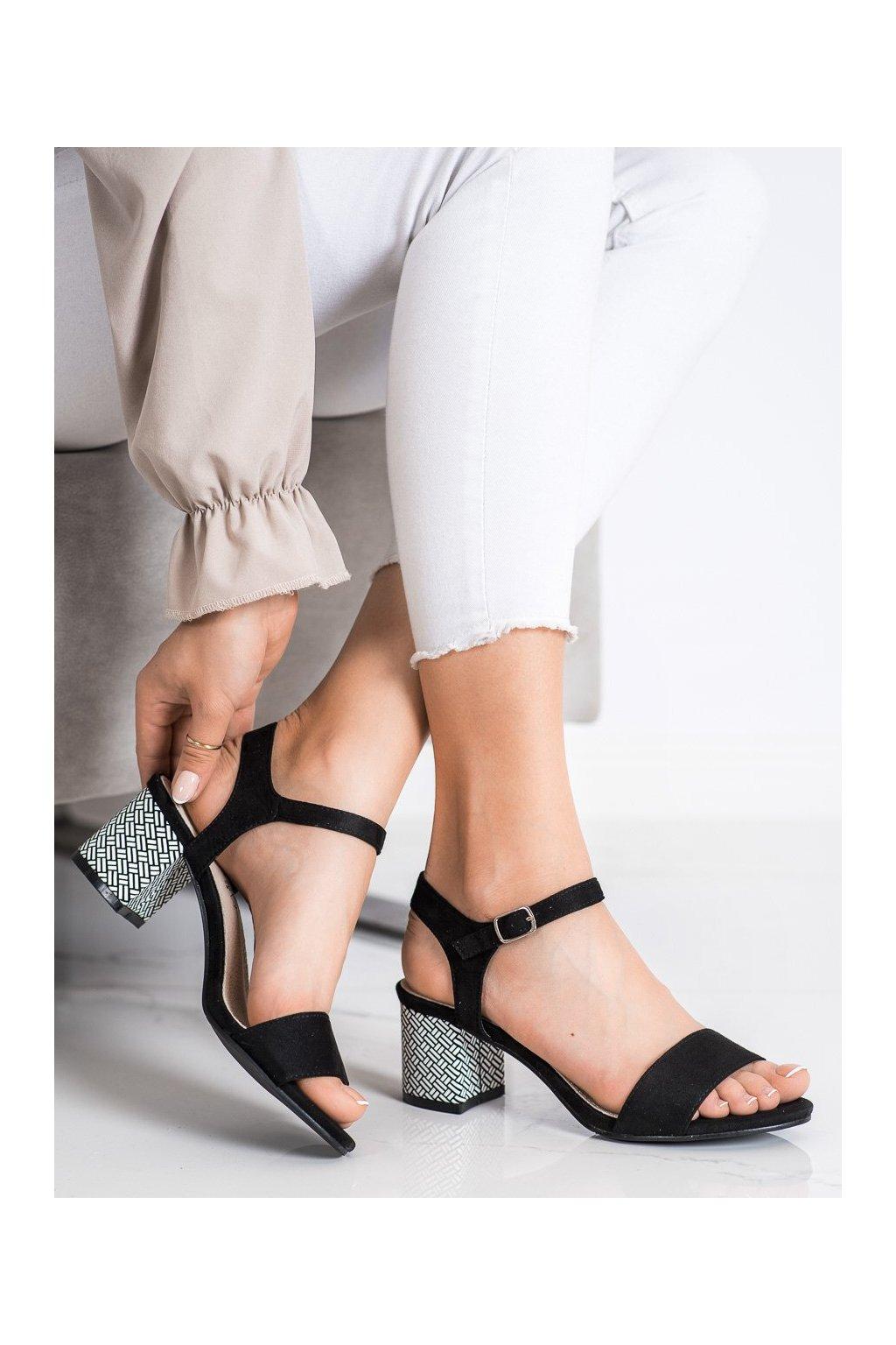 Čierne sandále Goodin kod GD-FL1028A-B