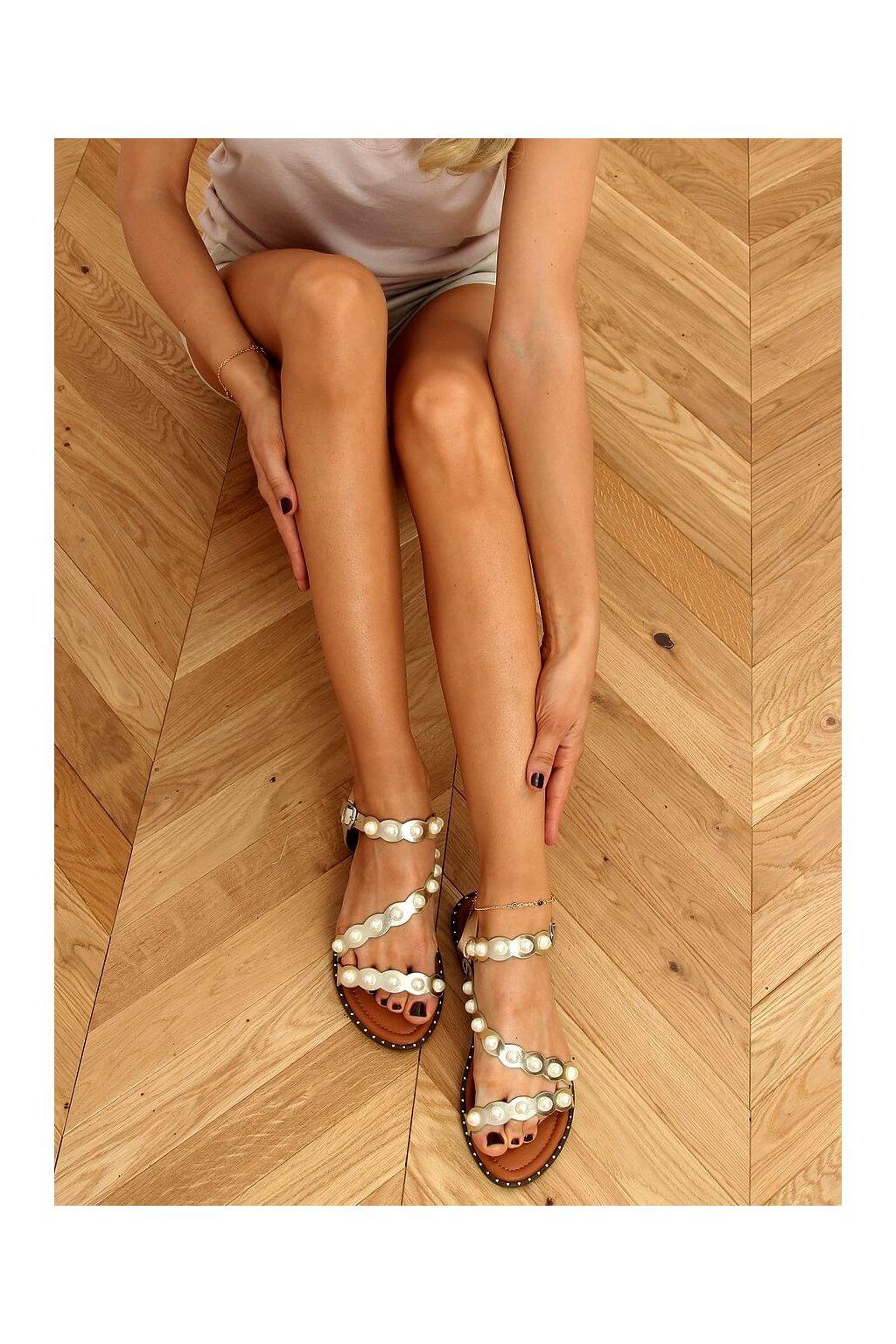 Dámske sandále žlté na plochom podpätku 55-55