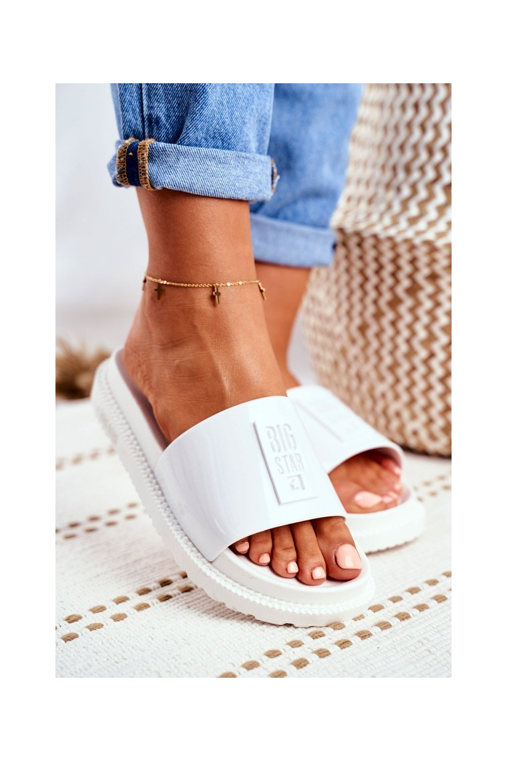 Dámske šľapky farba biela kód obuvi FF274812 WHITE