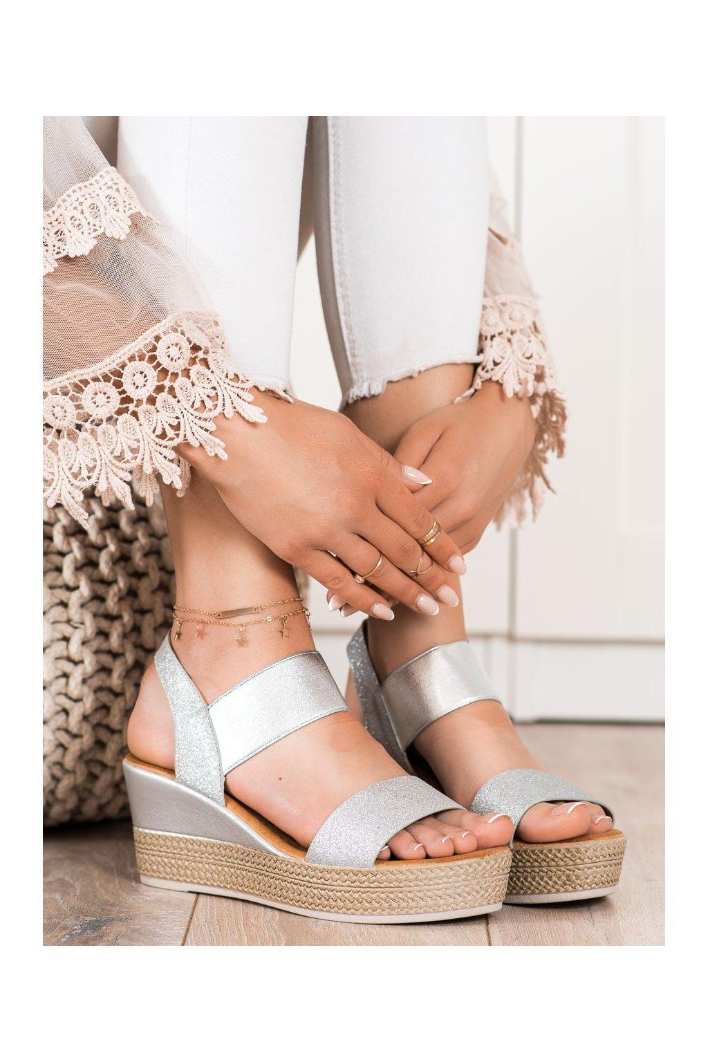 Sivé dámske sandále Camo kod 6401S