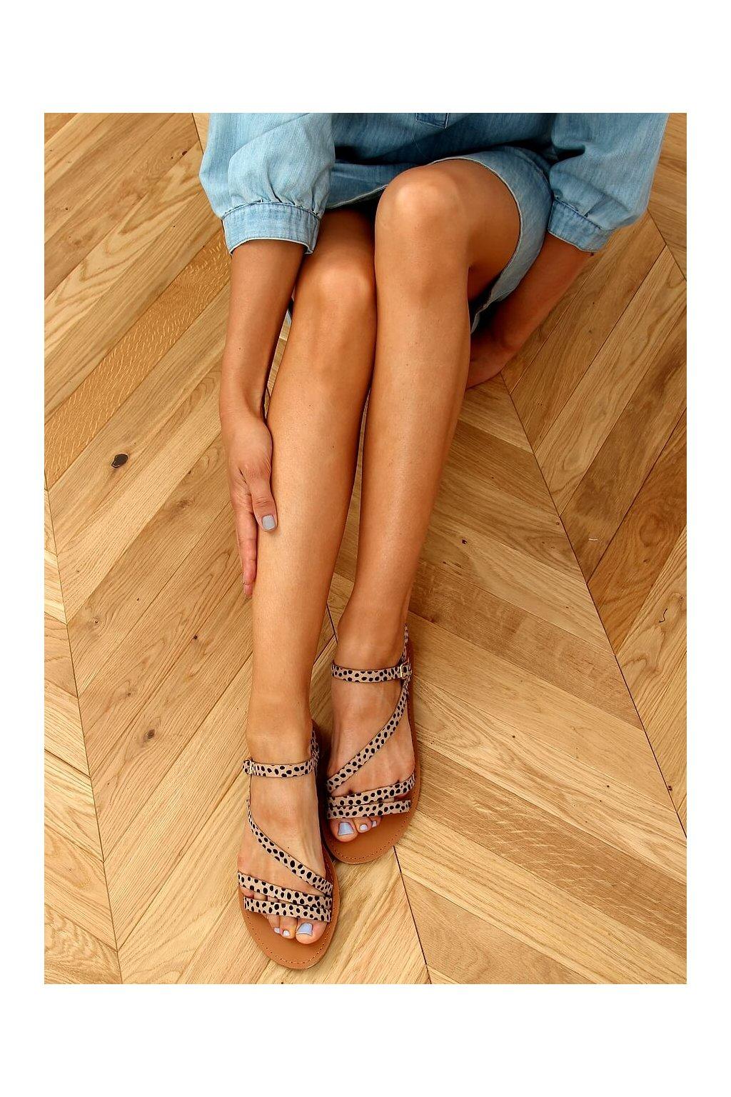 Dámske sandále hnedé na plochom podpätku BH1651-SD