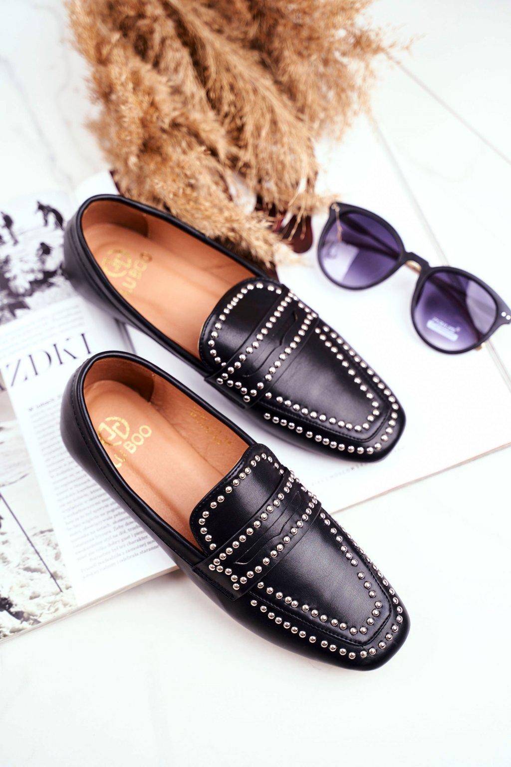 Čierne topánky s ozdobou NJSK 588B-TA1 BLK PU