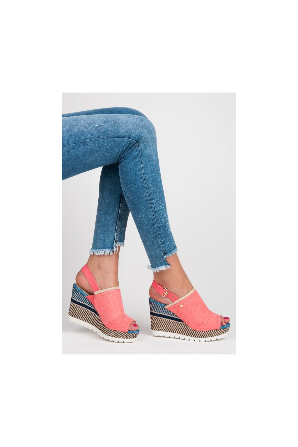 173281 jedinecne ruzove sandale na kline so vzorom 6104 20p big