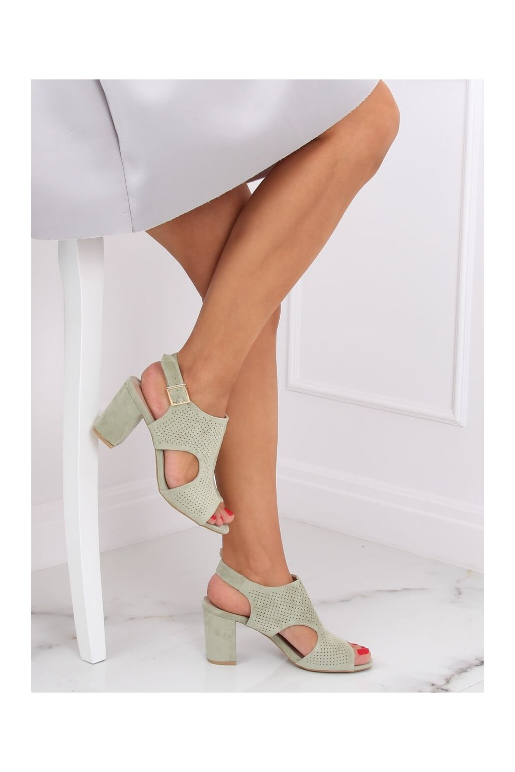 Damske sandále zelené na stĺpovom podpätku 99-33A