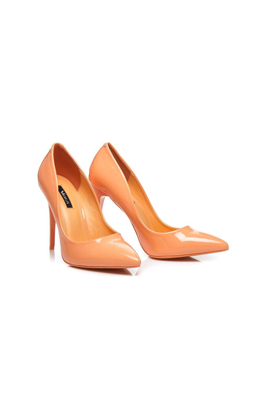 Pastelové oranžové lodičky na vysokom opätku