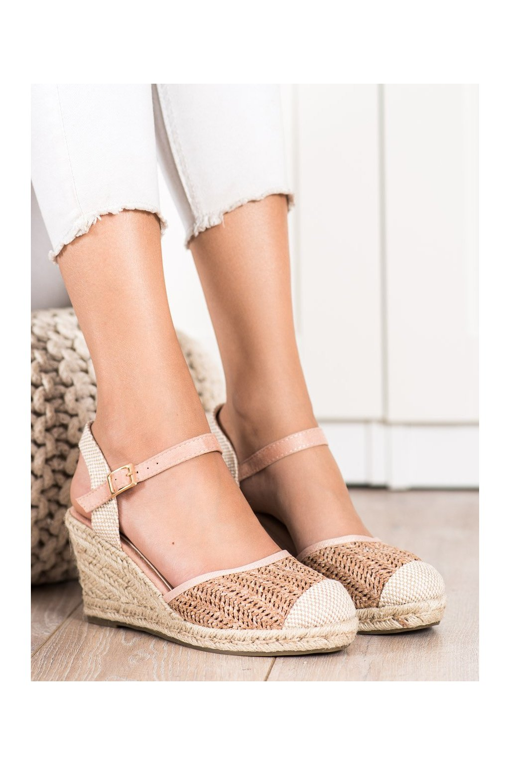 Ružové dámske sandále Sweet shoes kod DZ8006P