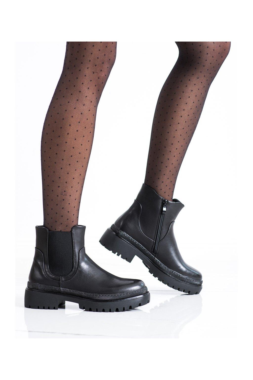 Čierne dámske topánky Renda kod 888-59B