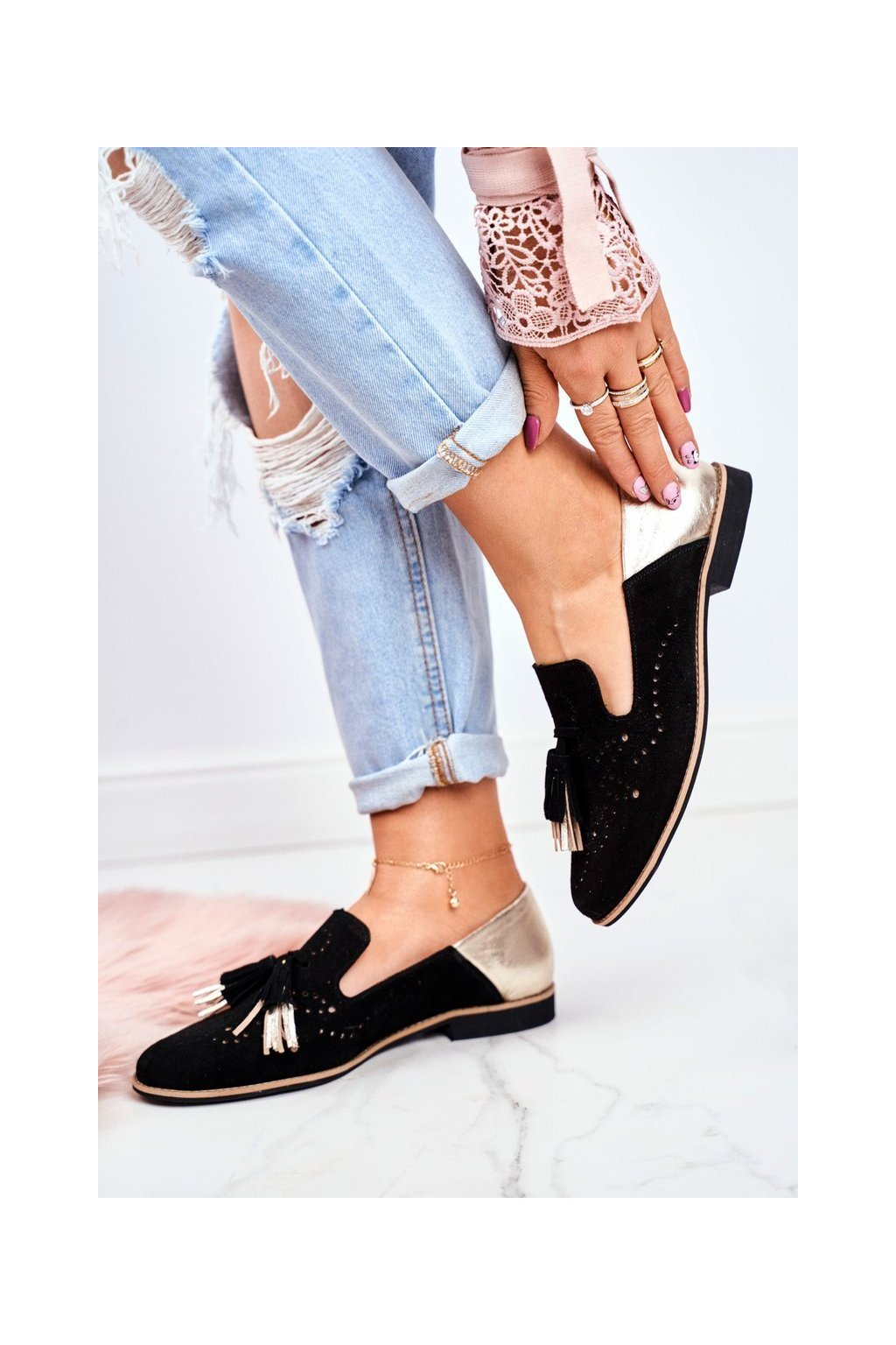 Dámske poltopánky farba čierna kód obuvi 04484-01/00-5 BLK/GOLD