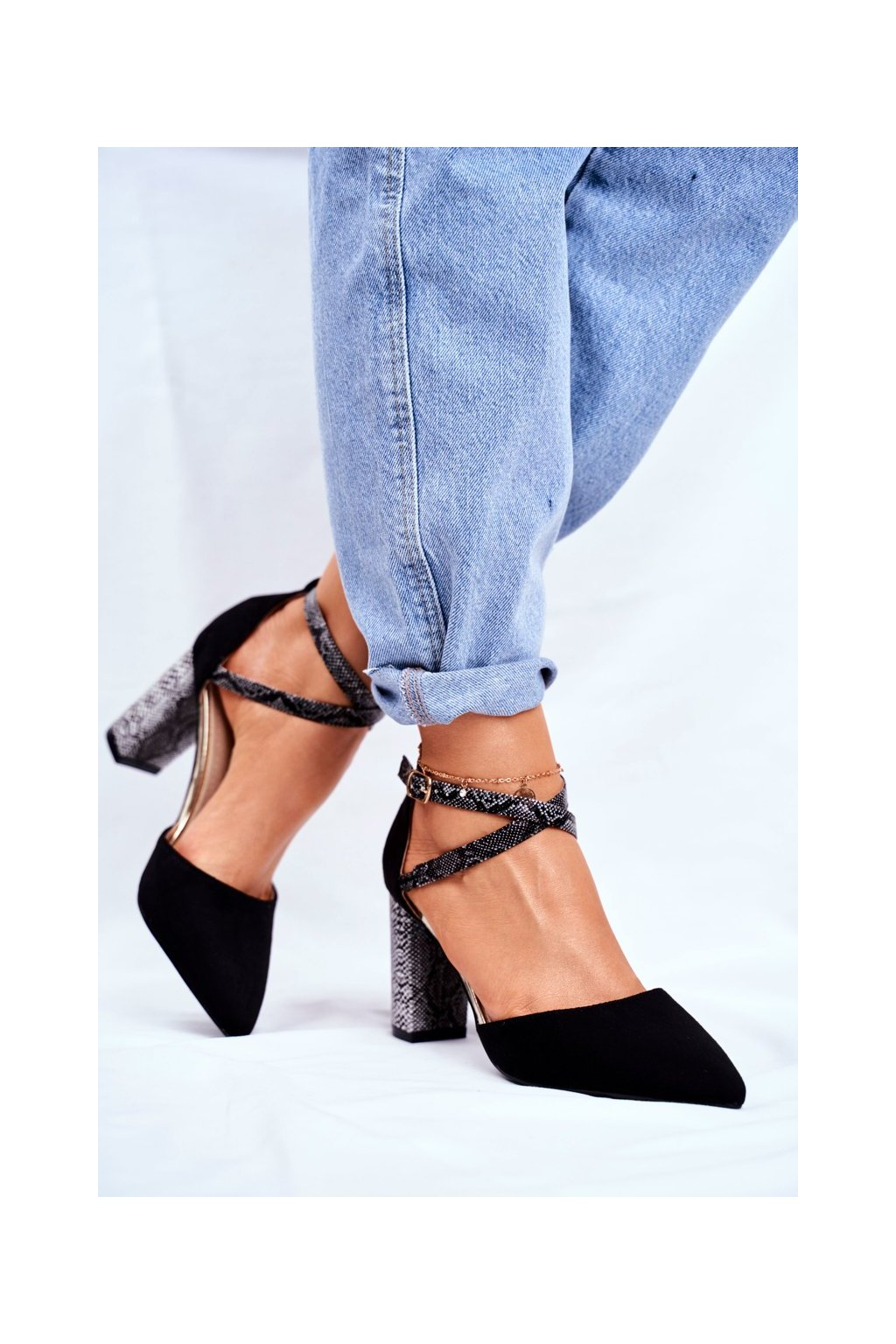 Dámske lodičky farba čierna kód obuvi BLACK 7290-1