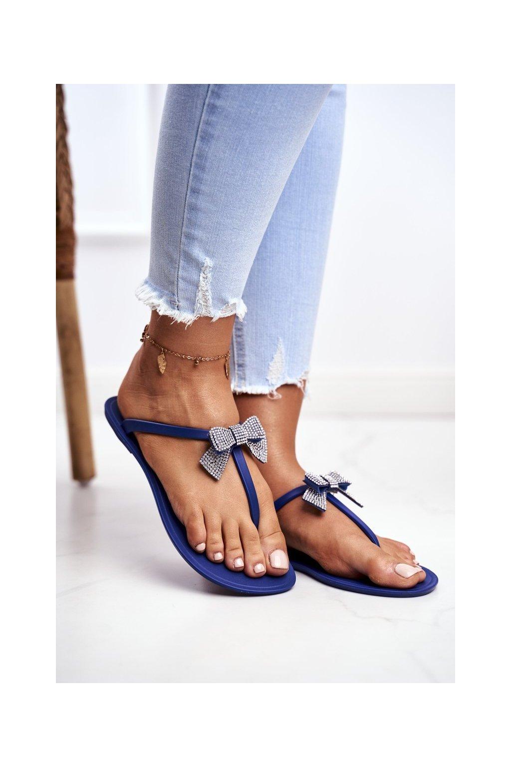 Dámske šľapky farba modrá kód obuvi D18-1 NAVY
