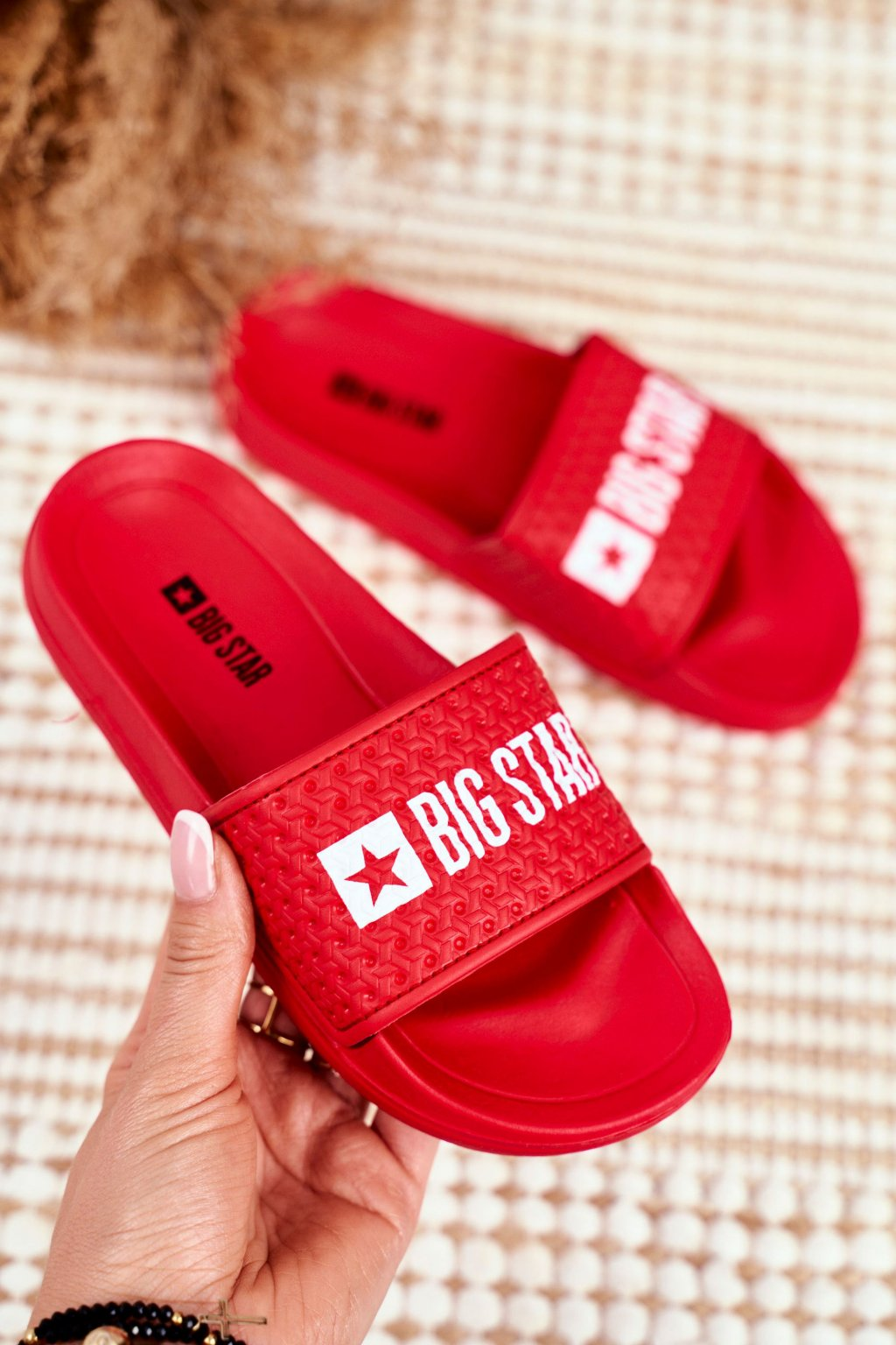 Detské šľapky farba červená kód obuvi GG374801 RED
