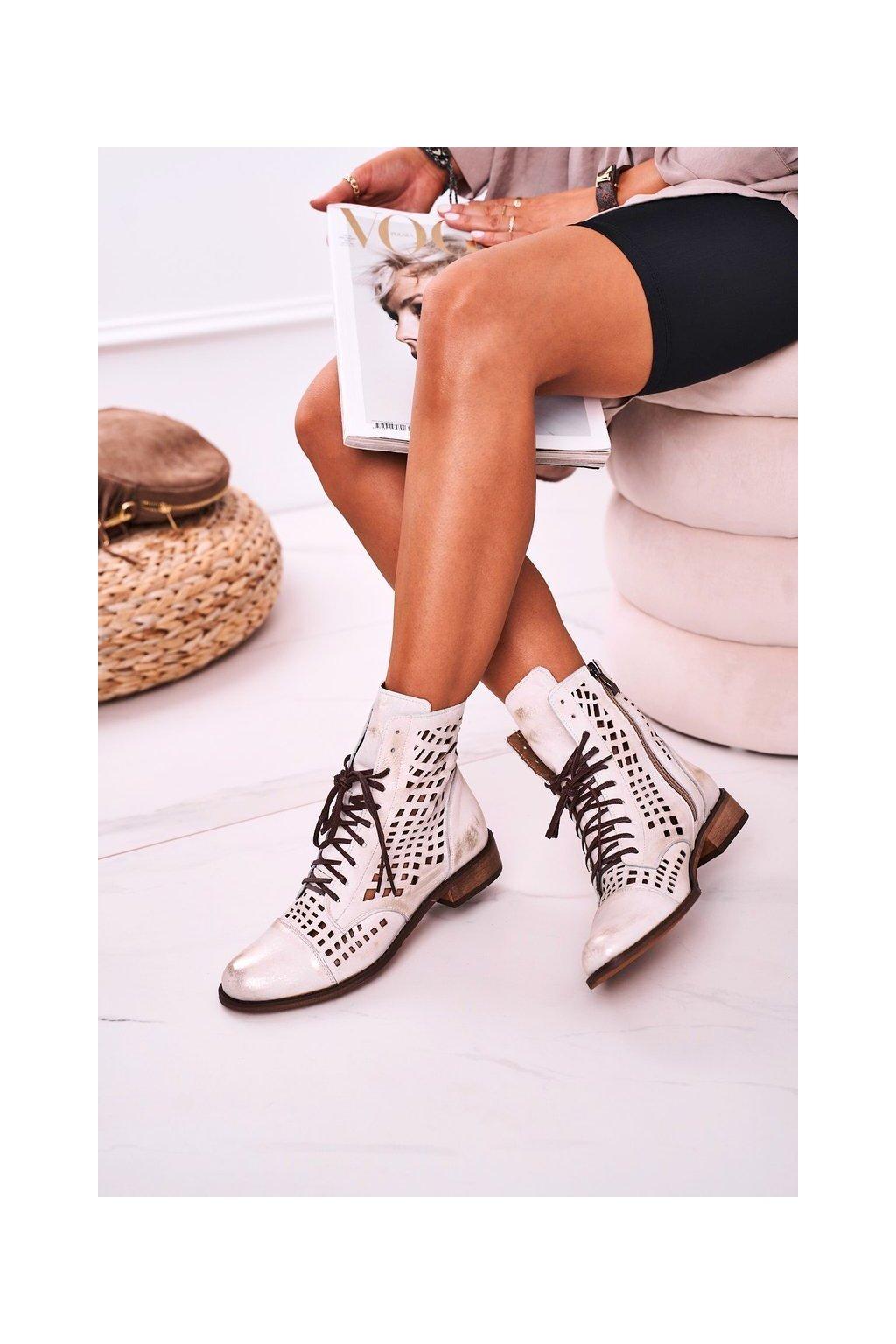 Členkové topánky na podpätku farba biela kód obuvi 2627/004 WHITE SILVER