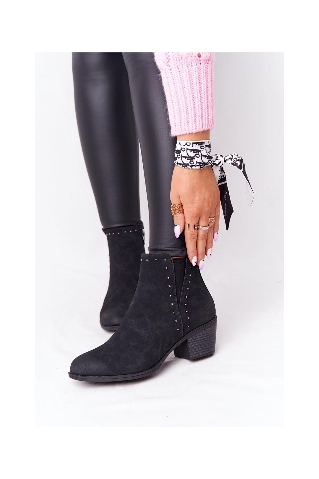 Členkové topánky na podpätku farba čierna kód obuvi 20Y8012-1 BLACK