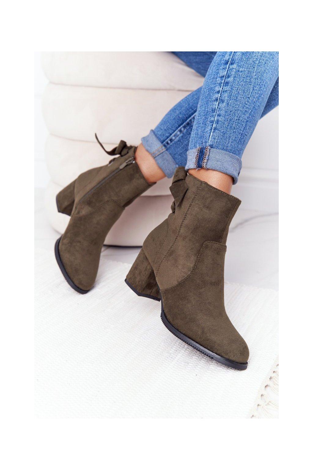 Členkové topánky na podpätku farba zelená kód obuvi 20Y8054-11 GREEN
